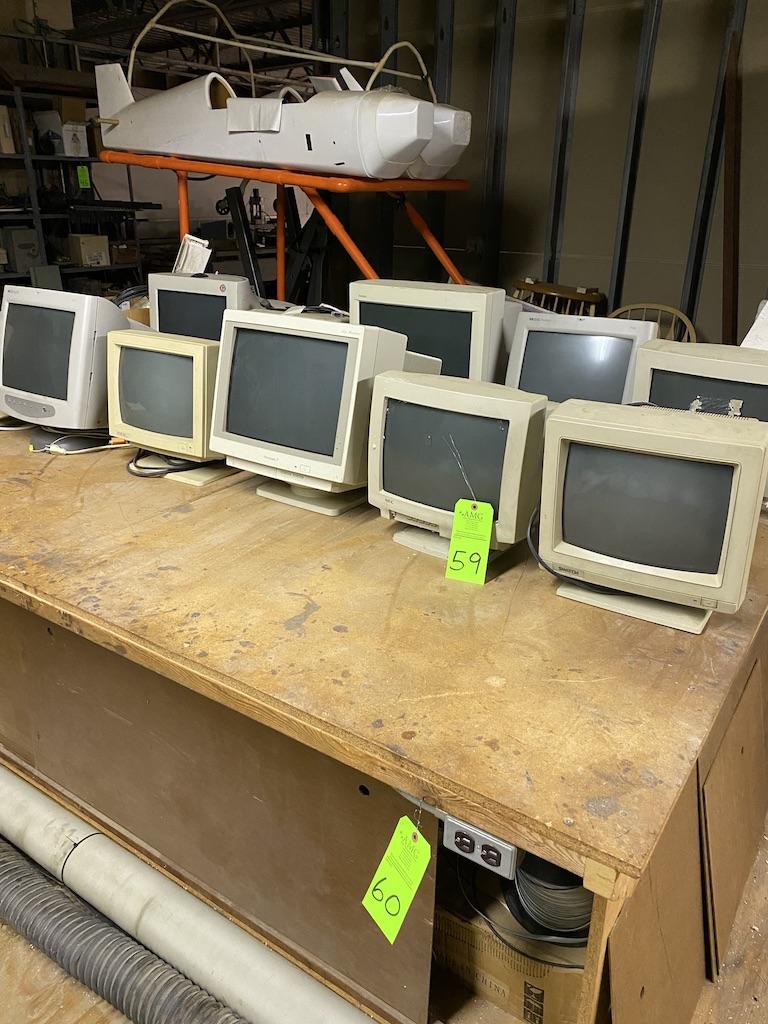 Lot 59 - computer monitors