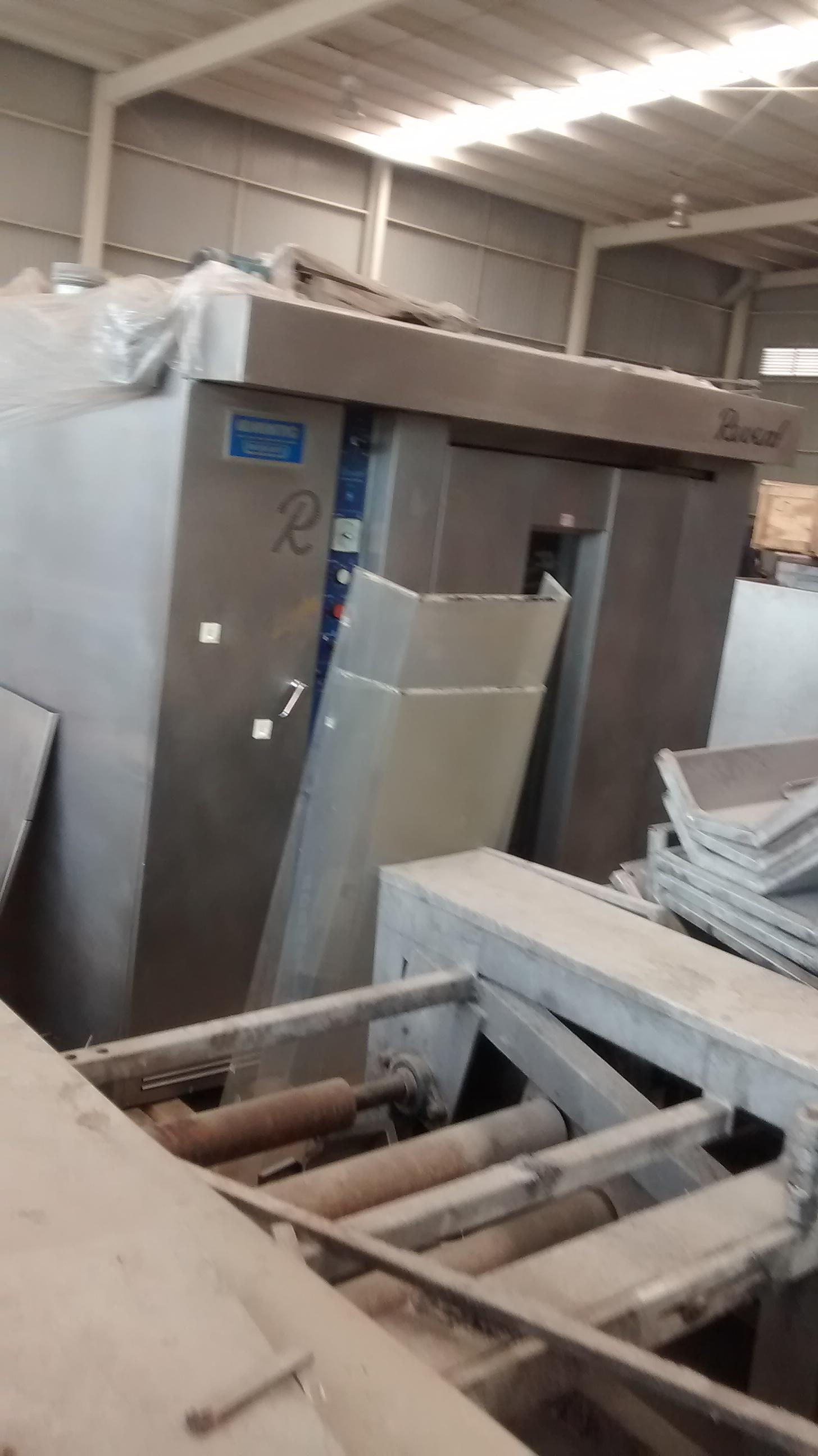 Lot 12 - Revent Oven