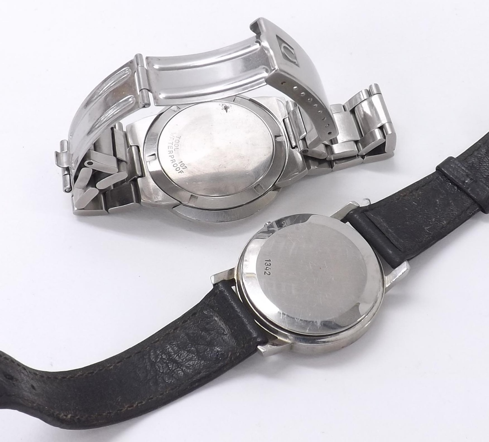 Lot 1932 - Omega Dynamic watch case with Omega bracelet; together with an Omega watch case, ref. 196.0160, case