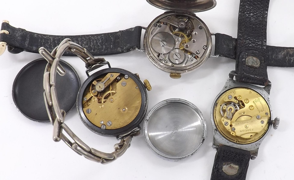 Lot 1903 - Silver (925) wire-lug gentleman's wristwatch, import hallmarks London 1924, circular white dial with