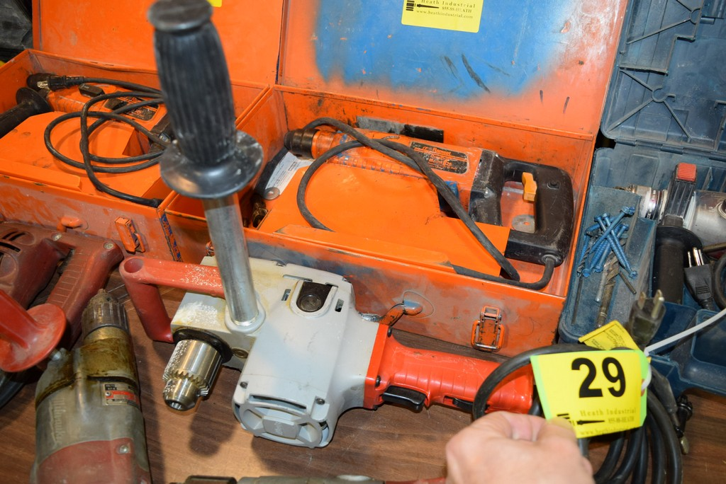 Lot 29 - MILWAUKEE CAT. NO. 1675-1, 1/2'' HEAVY DUTY HOLE HAWG ELECTRIC RIGHT ANGLE DRILL