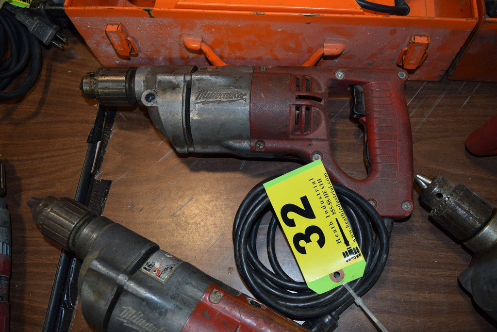Lot 32 - MILWAUKEE CAT. NO. 1001-1, 1/2'' HEAVY DUTY ELECTRIC DRILL