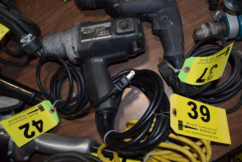 Lot 39 - BLACK & DECKER HEAVY DUTY 1/2'' ELECTRIC IMPACT WRENCH