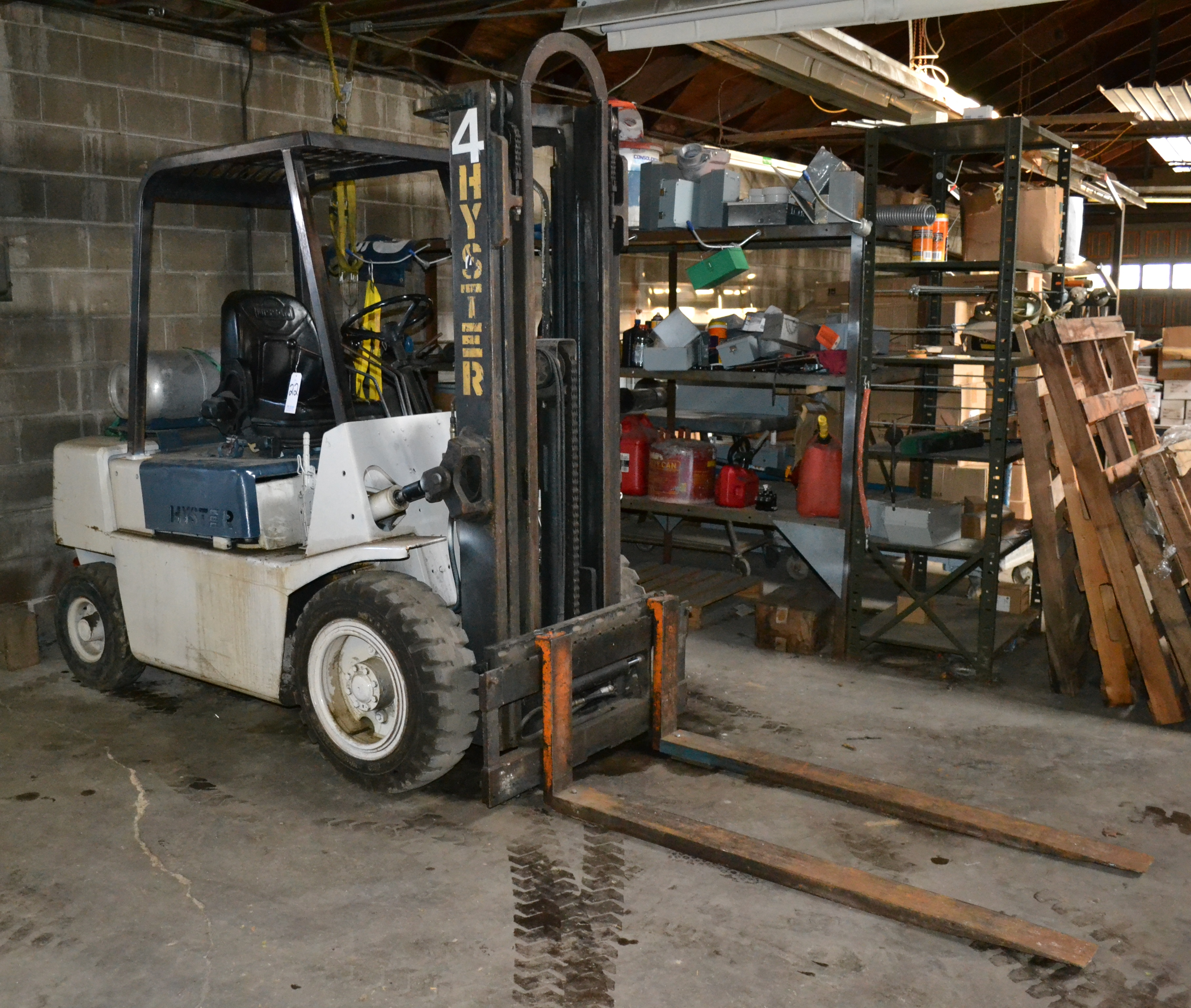 Hyster Model H50XL 4,800 Lbs Capacity Forklift, LP Fueled, 3