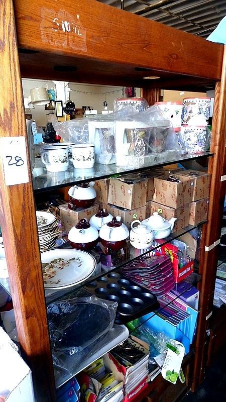 Lot 28 - DISPLAY w/ CONTENTS