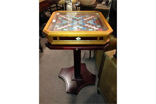 Miraculous Franklin Mint Scrabble Table On Stand With Full Set Of Gold Uwap Interior Chair Design Uwaporg