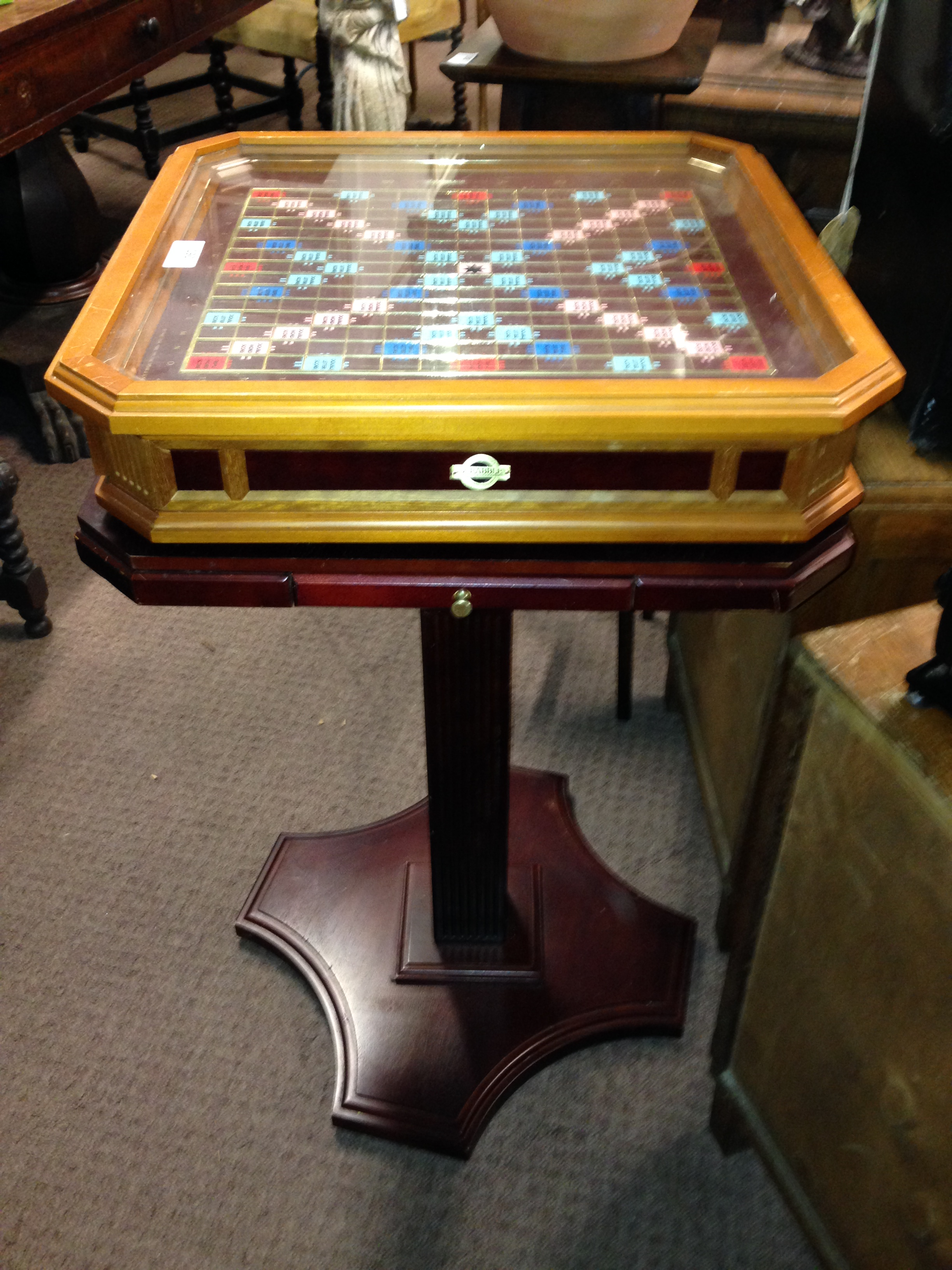Marvelous Lot 190   FRANKLIN MINT Scrabble Table On Stand With Full Set Of Gold  Plated Letters
