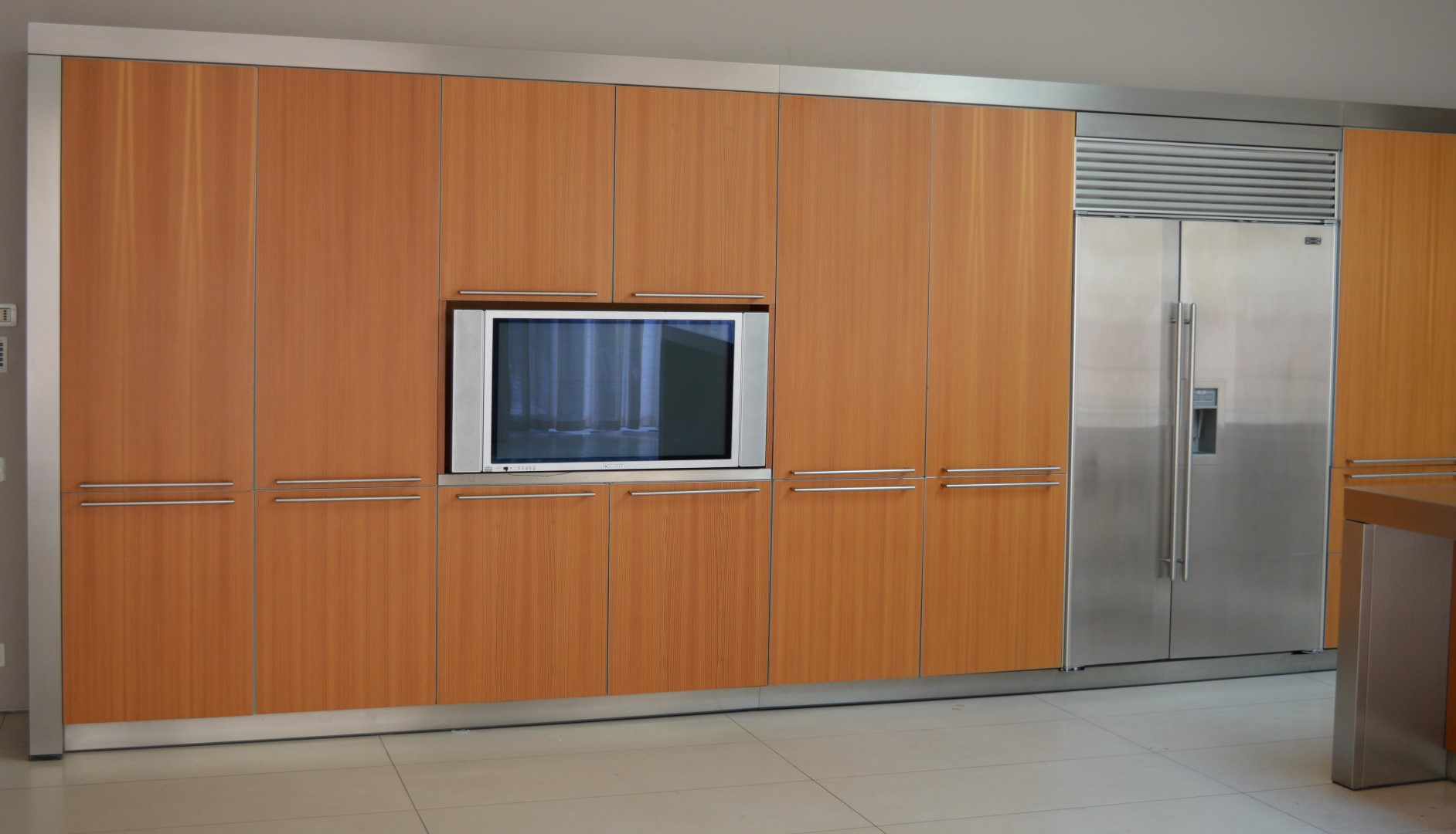 1 x designer bulthaup fitted kitchen with appliances for Wooden fitted kitchen