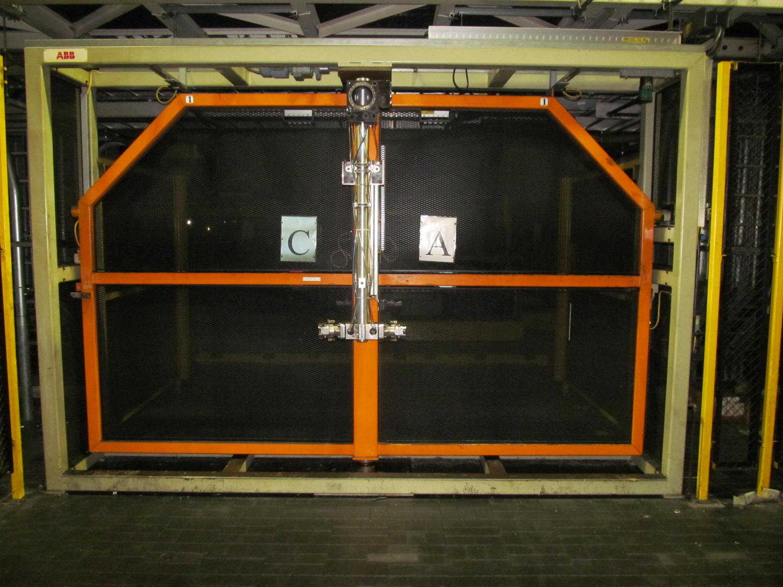 6-AXIS KUKA TRANSFER ROBOT w/ CONTROL & TEACH PAD, *PLEASE NOTE: SUBJECT TO SELLER CONFIRMATION* - Image 2 of 3