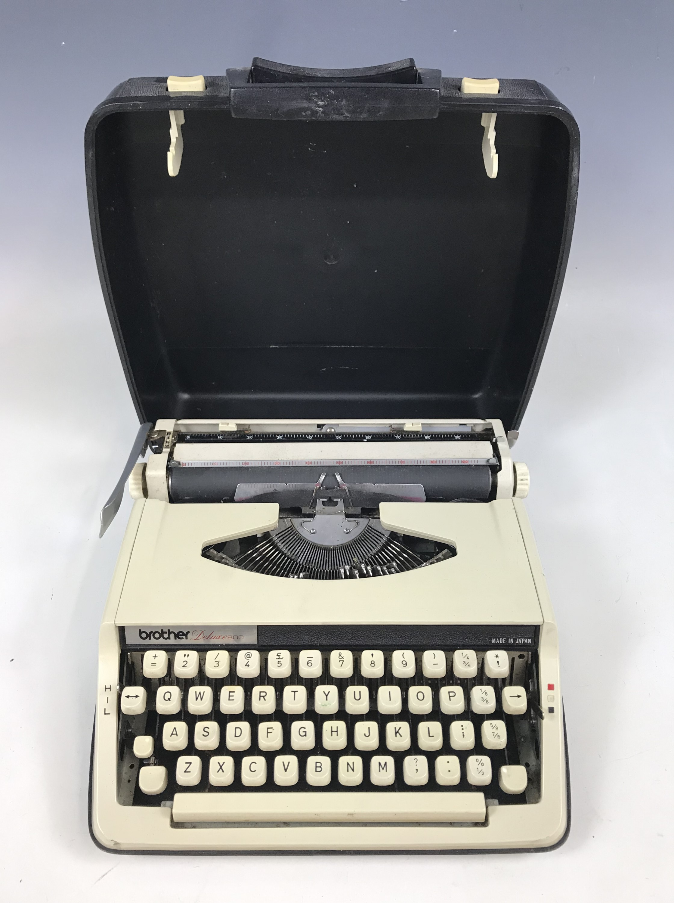 Lot 13 - A 1960s Brother Deluxe 800 portable typewriter
