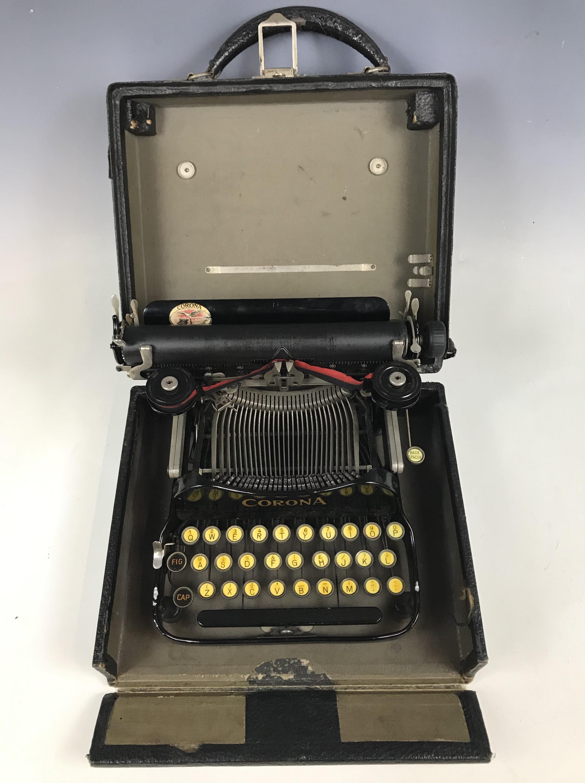 Lot 12 - A 1920s Corona portable typewriter