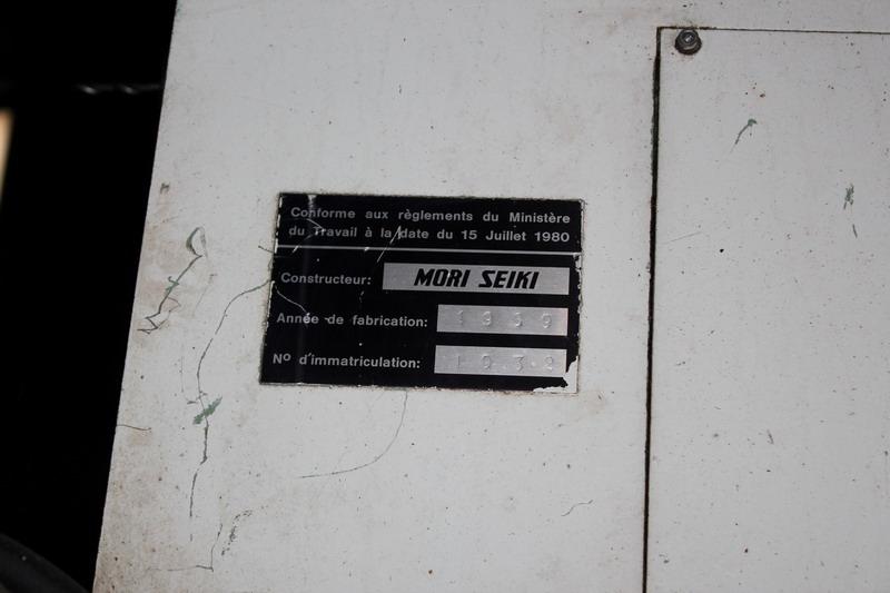 Lot 59 - N. 3 (N. 725 IVG FALLIMENTO) CENTRO DI LAVORO VERTICALE MORI SEIKI, ANNO 1989, N. 1032, CONTROLLO