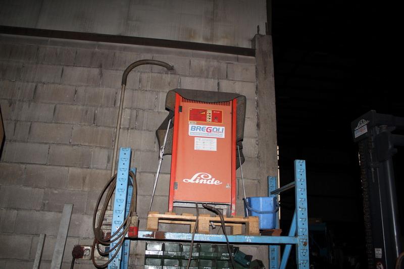 Lotto 83 - N. 34 (N. 725 IVG FALLIMENTO) CARRELLO ELEVATORE LINDE E30-02, ANNO 2004, S.N. G1X33GR02004 COMPRESO