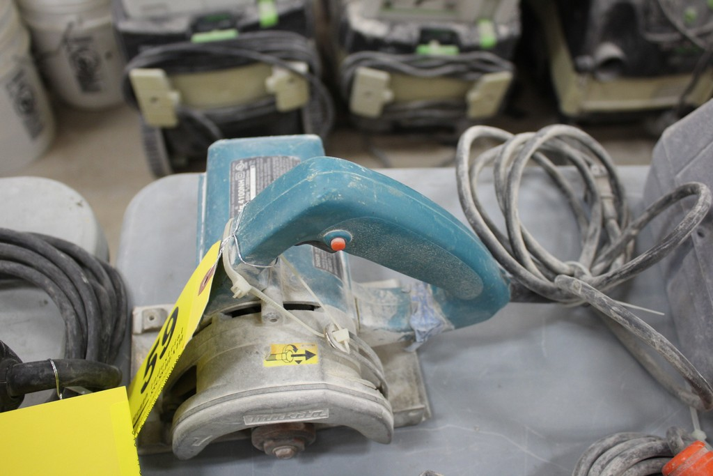 """Lot 59 - MAKITA MODEL 4100 NH 4 3/8"""" DIAMETER SAW"""