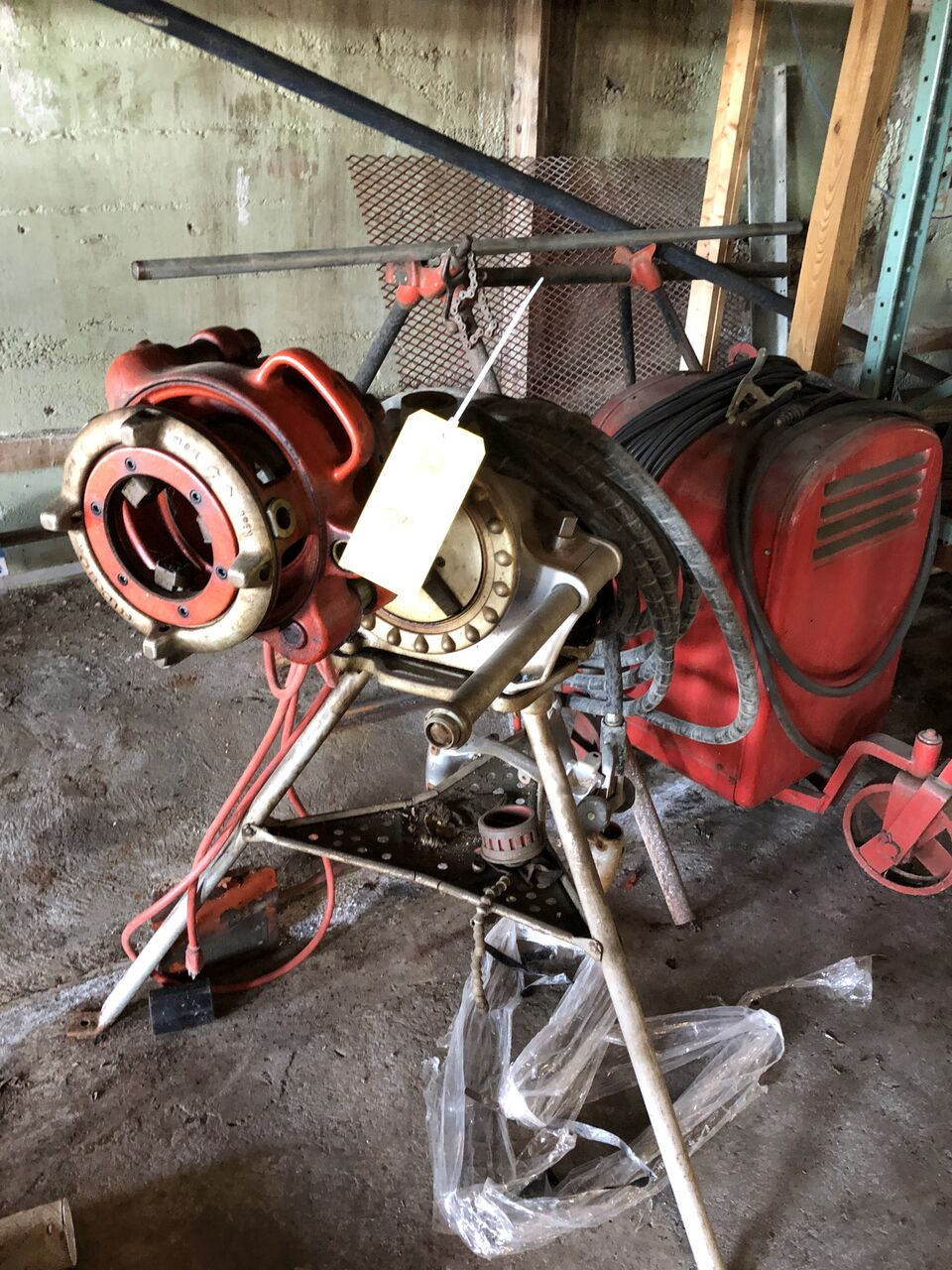 Lot 390 - Rigid Red Chuck Pipe Clamp