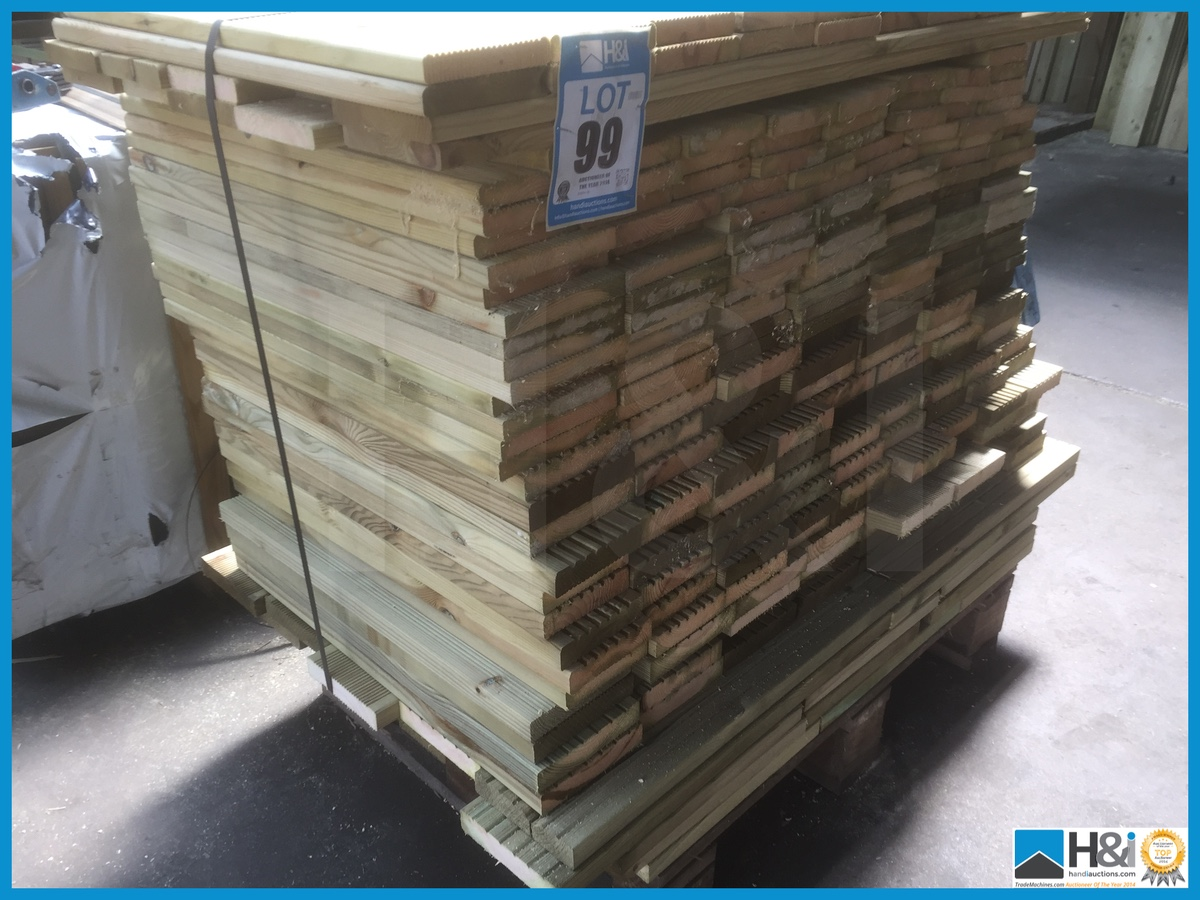 Large quantity of decking offcuts suitable for planters lengths are mainly 600mm and consist mai - Suitable materials for decking ...
