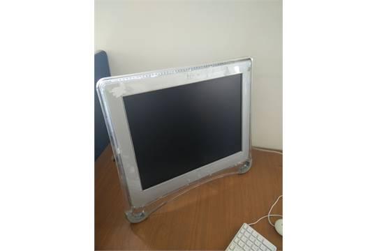 Apple Mac Pro Tower ( Power Mac G5 Late 2005 ) PowerPC G5 Dual 2 Ghz