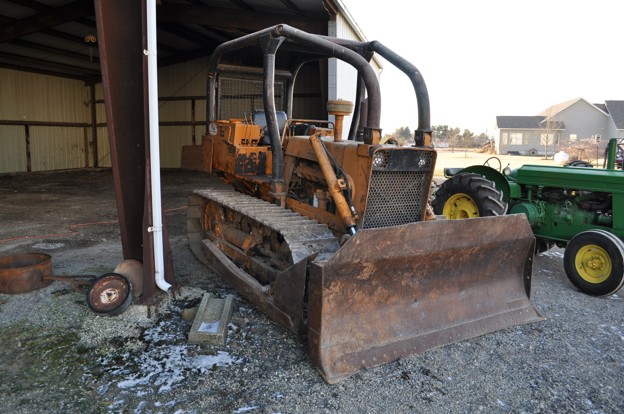 Case 1150 dozer, 8' 4 way blade, rear hitch, diesel, shows 1250 hrs, hrs unkown, SN missing - Image 4 of 11