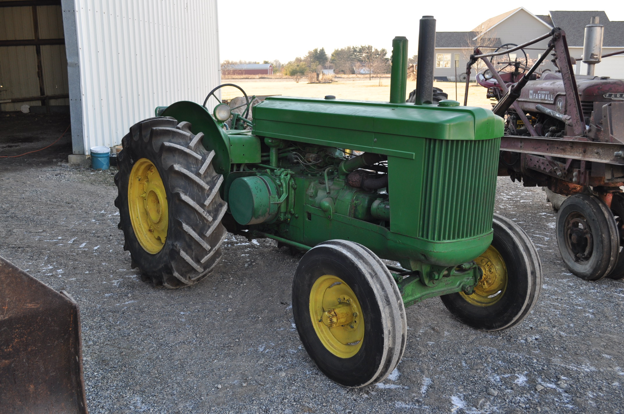 John Deere AR tractor, styled, 14.9-26 rear, 6.50-16 front, wide front, fenders, gasoline, single - Image 2 of 12