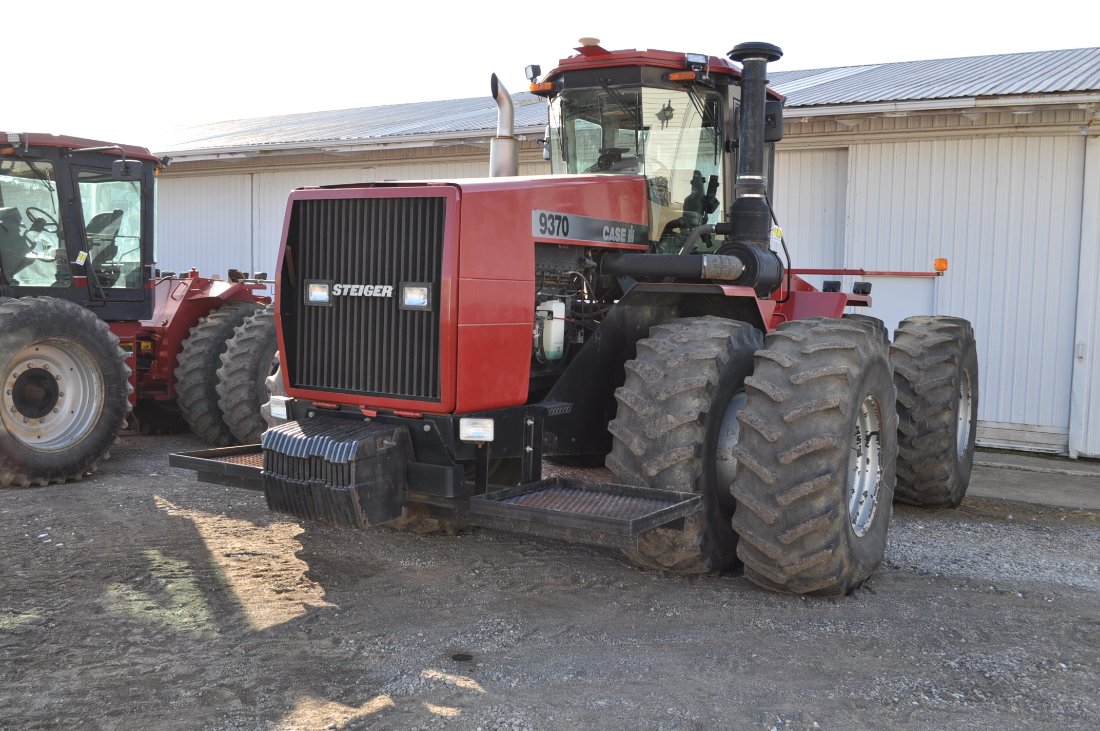Case IH 9370 4WD tractor, 24.5R32 duals, power shift, skip shift, 4 hyd remotes, 4622 hrs, front - Image 2 of 23