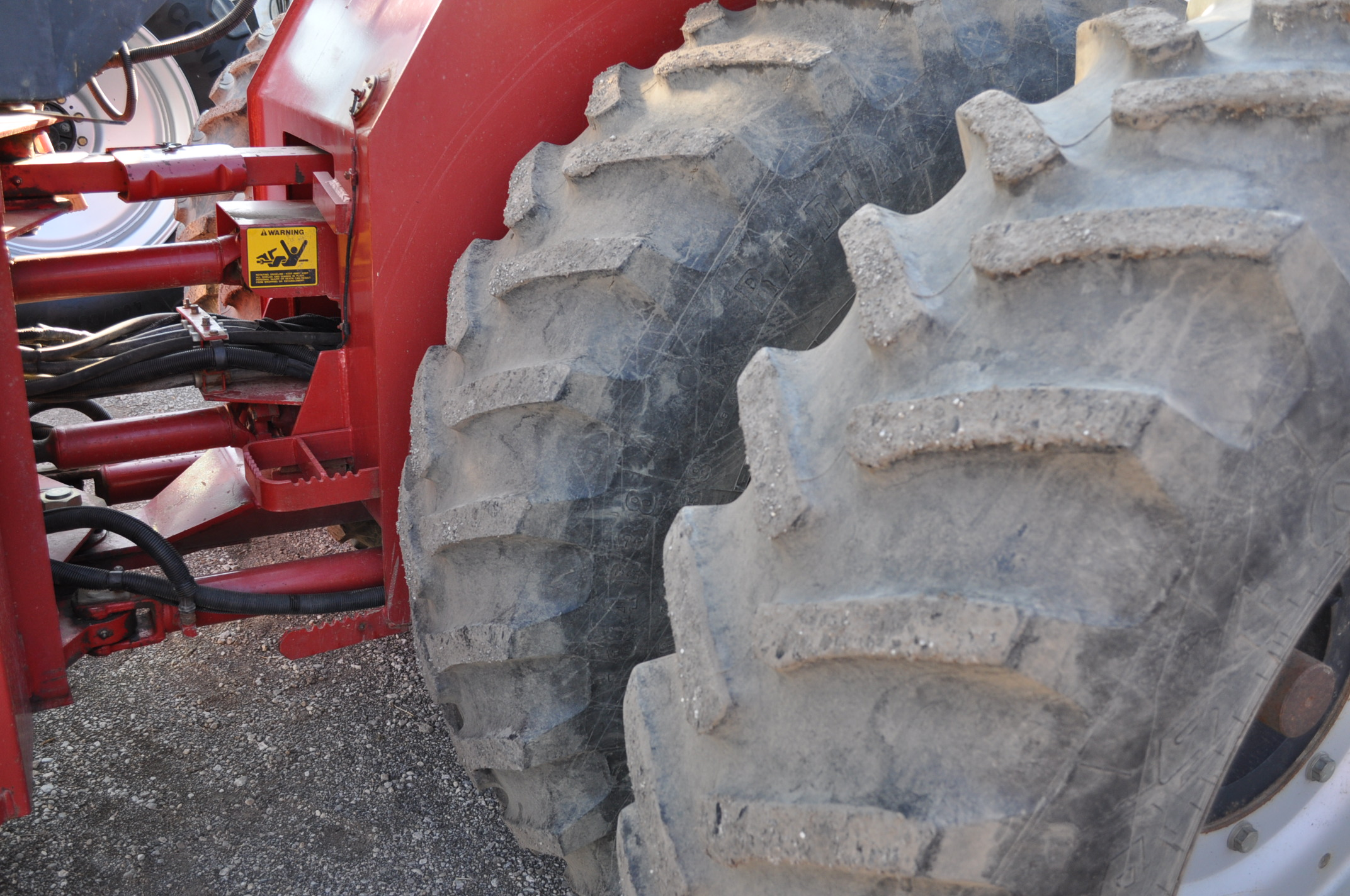 Case IH 9230 4WD tractor, 18.4-38 duals, power shift, skip shift, 4 hyd remotes, 3pt, quick hitch, - Image 6 of 23