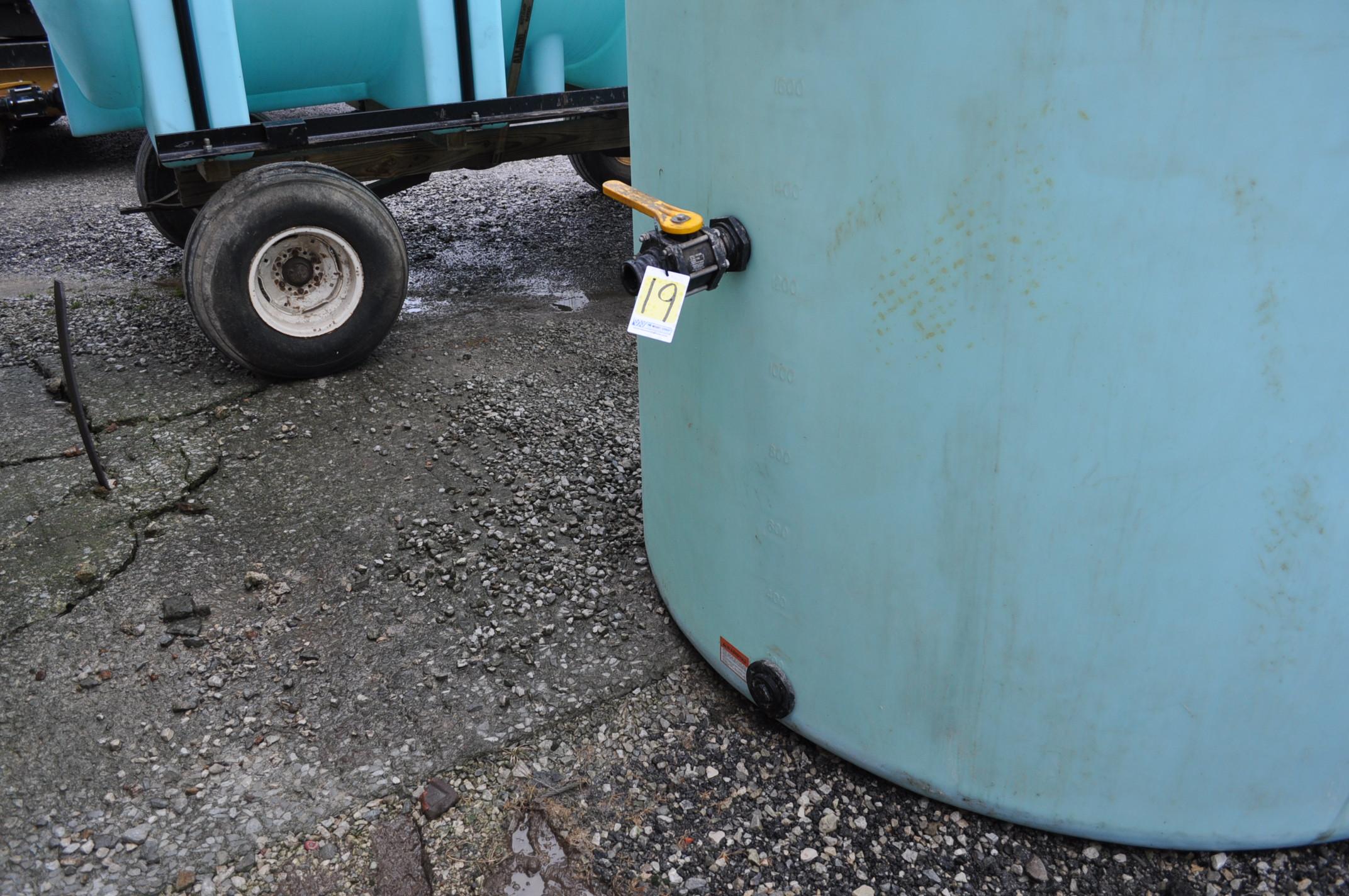 3000 gal poly flat bottom tank, always in barn - Image 2 of 4