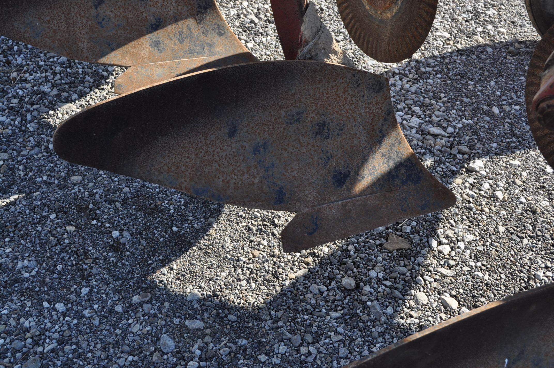 International 700 onland moldboard plow, 7 btm, auto reset trip - Image 10 of 16