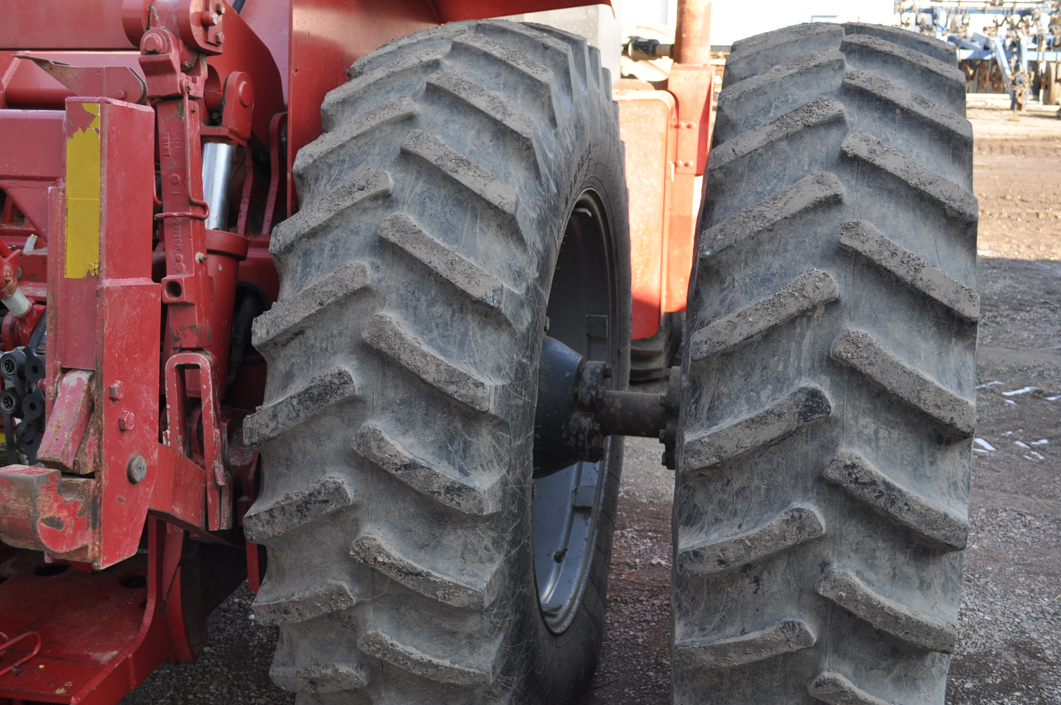 Case IH 9230 4WD tractor, 18.4-38 duals, power shift, skip shift, 4 hyd remotes, 3pt, quick hitch, - Image 7 of 23