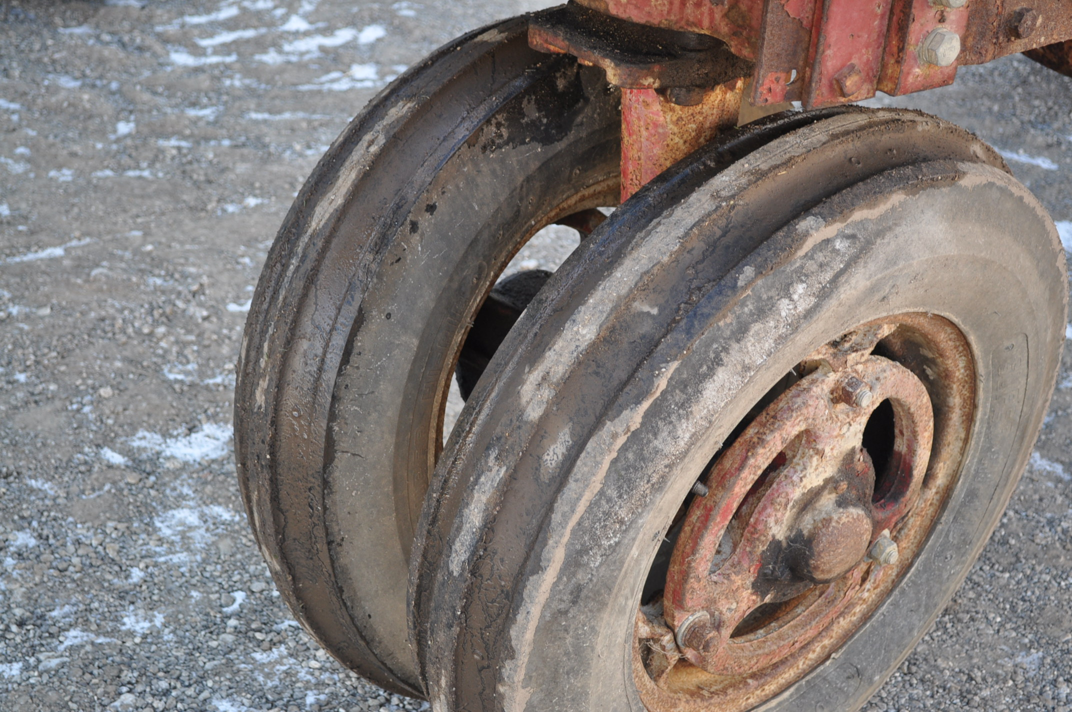 Farmall M tractor, 13.6-38 rear, narrow front, gasoline, loader, 540 PTO, SN FBK276 - Image 5 of 11