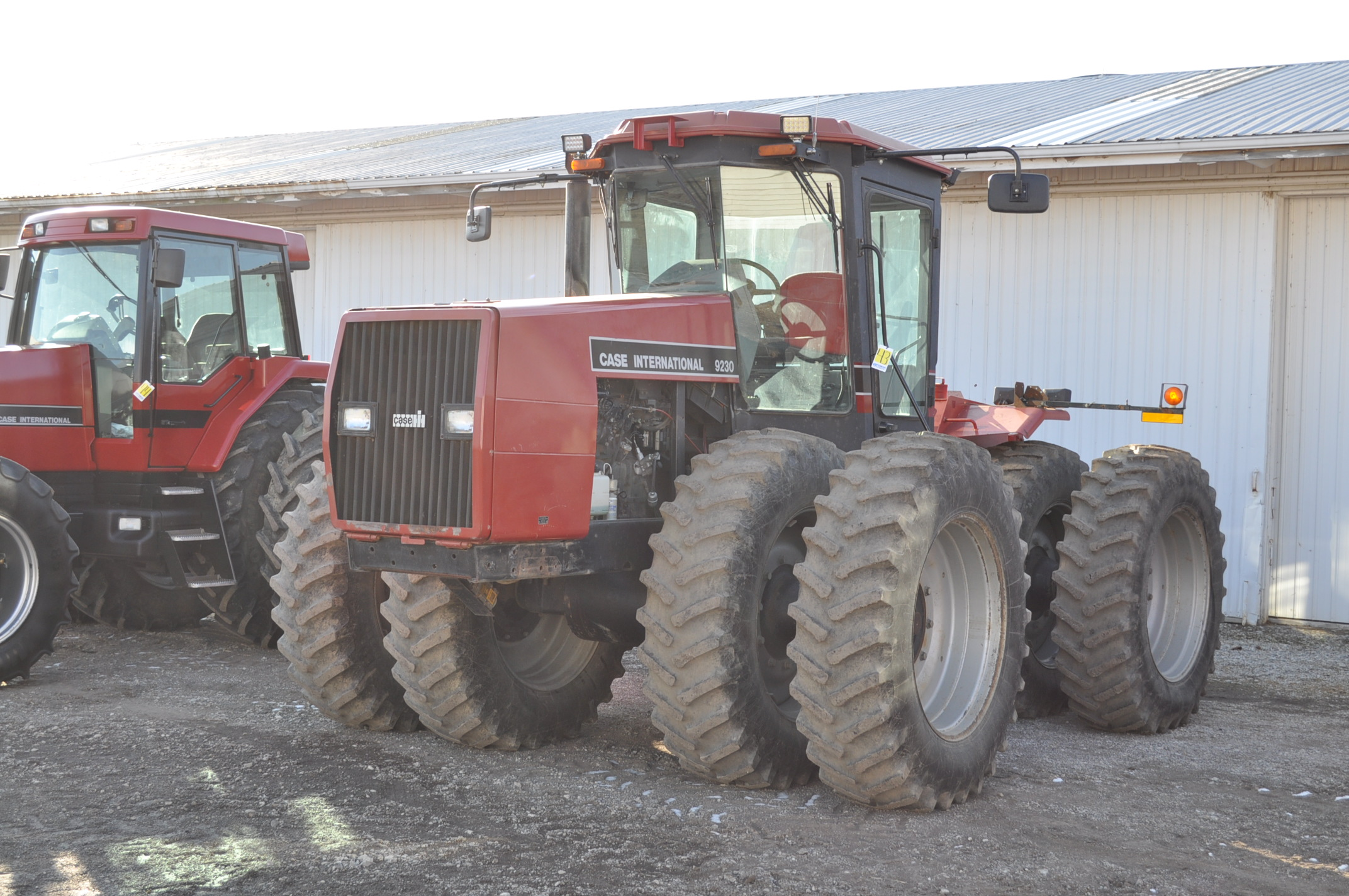 Case IH 9230 4WD tractor, 18.4-38 duals, power shift, skip shift, 4 hyd remotes, 3pt, quick hitch, - Image 2 of 23
