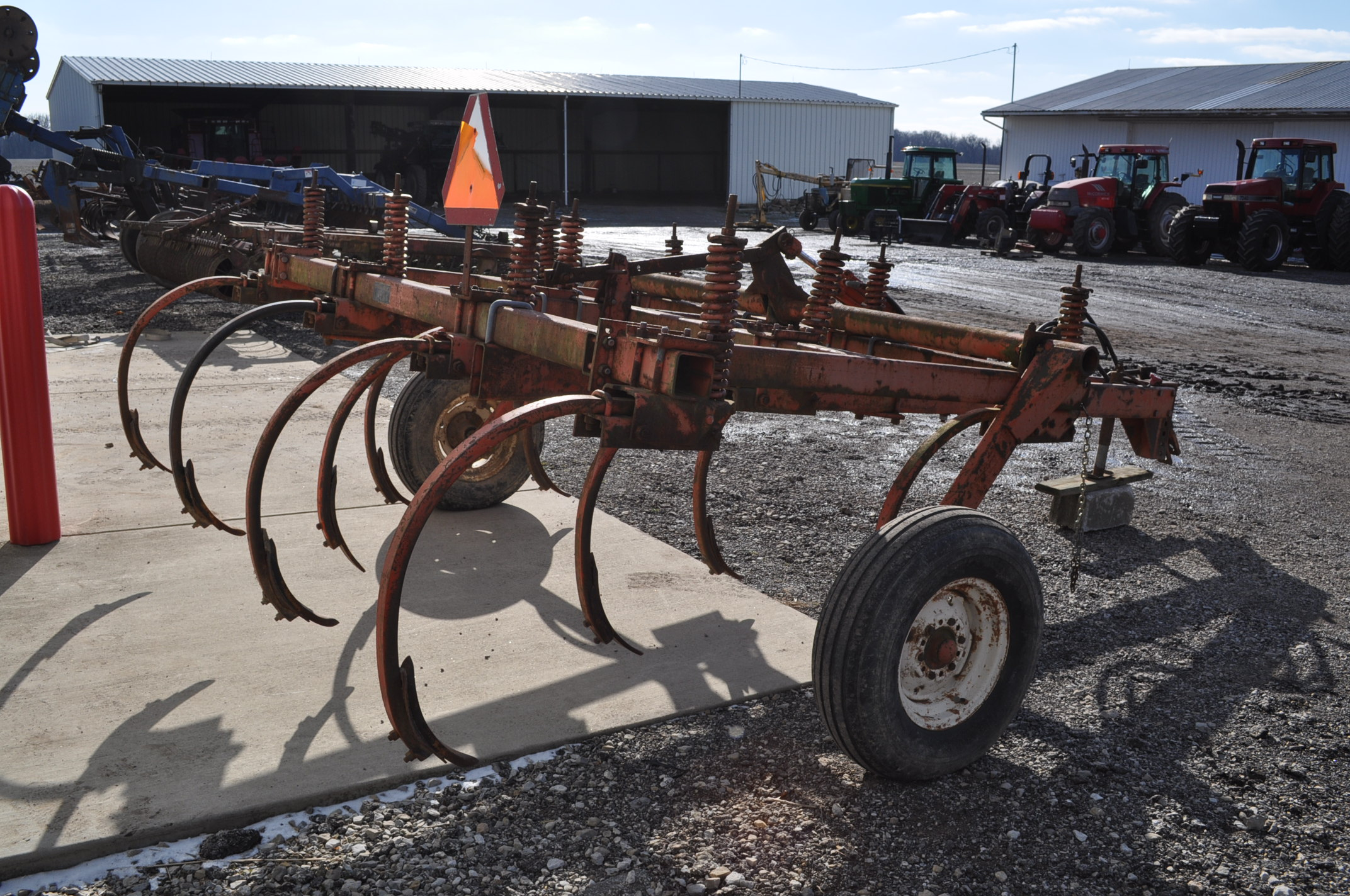 Allis Chalmers chisel plow, 10 shank, hyd raise - Image 3 of 7