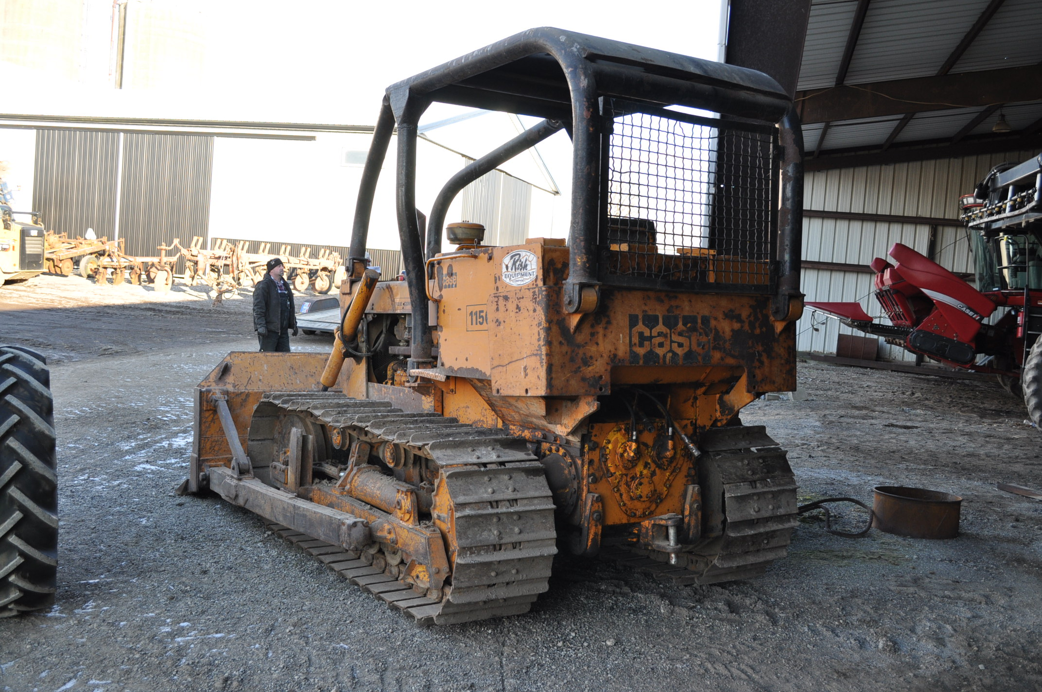 Case 1150 dozer, 8' 4 way blade, rear hitch, diesel, shows 1250 hrs, hrs unkown, SN missing - Image 2 of 11