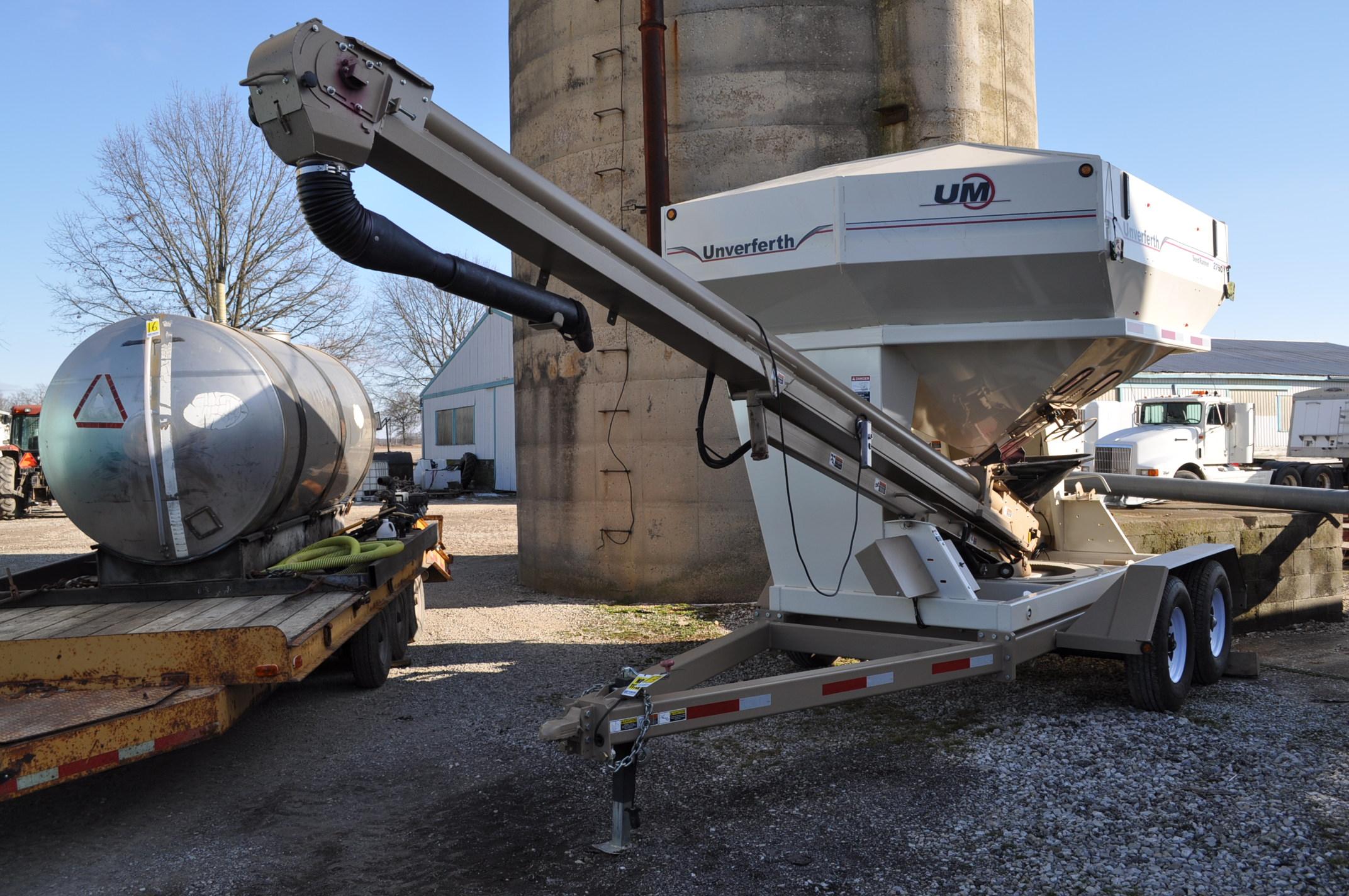 """Unverferth 2750 Seedrunner seed tender, tandem axle, scales, 6"""" conveyor, manual doors, roll tarp,"""