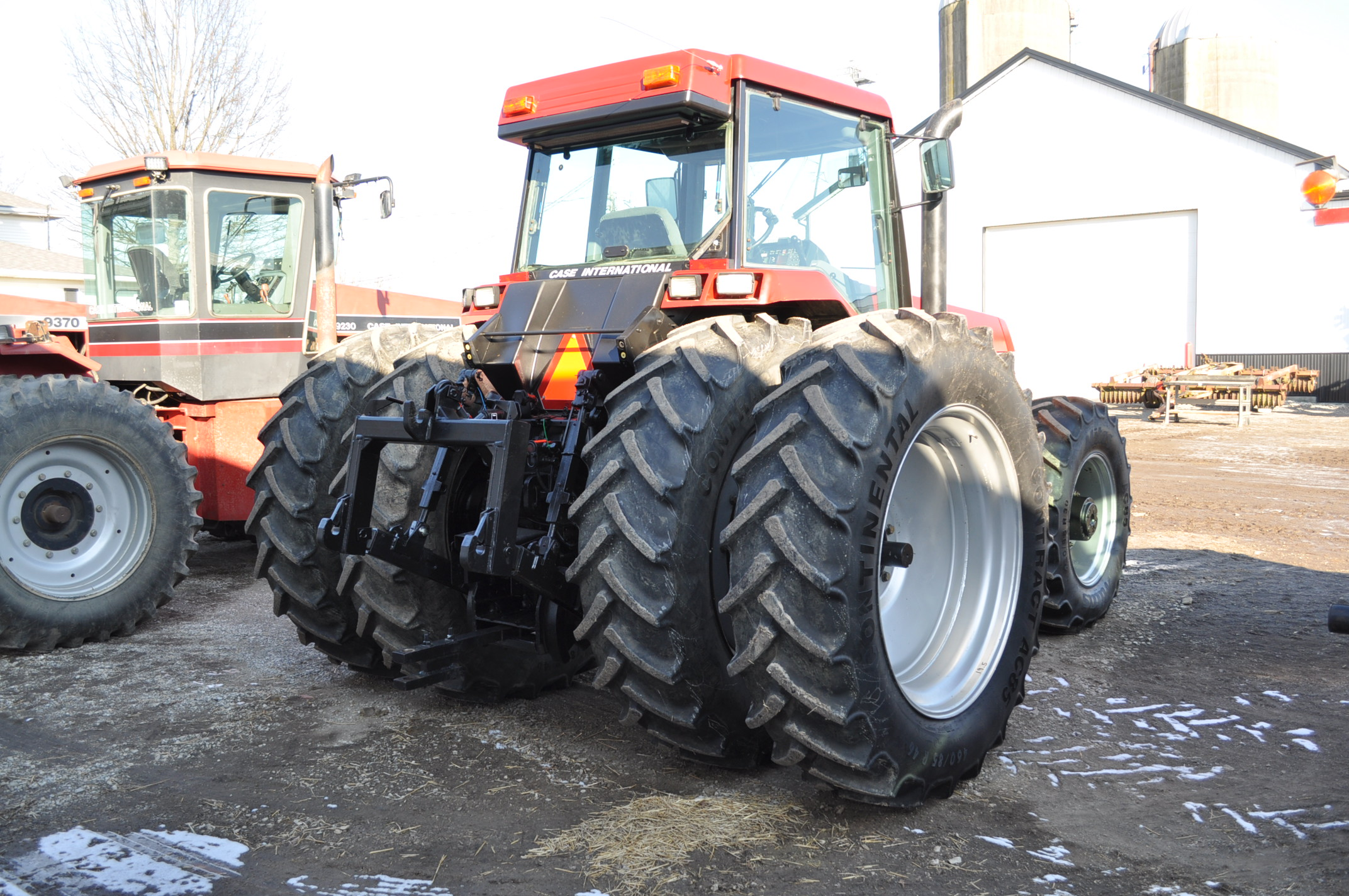 Case IH 7240 MFWD tractor, 460/85R46 rear duals, 420/85R30 front, 18 spd powershift, 4 reverse, - Image 4 of 20