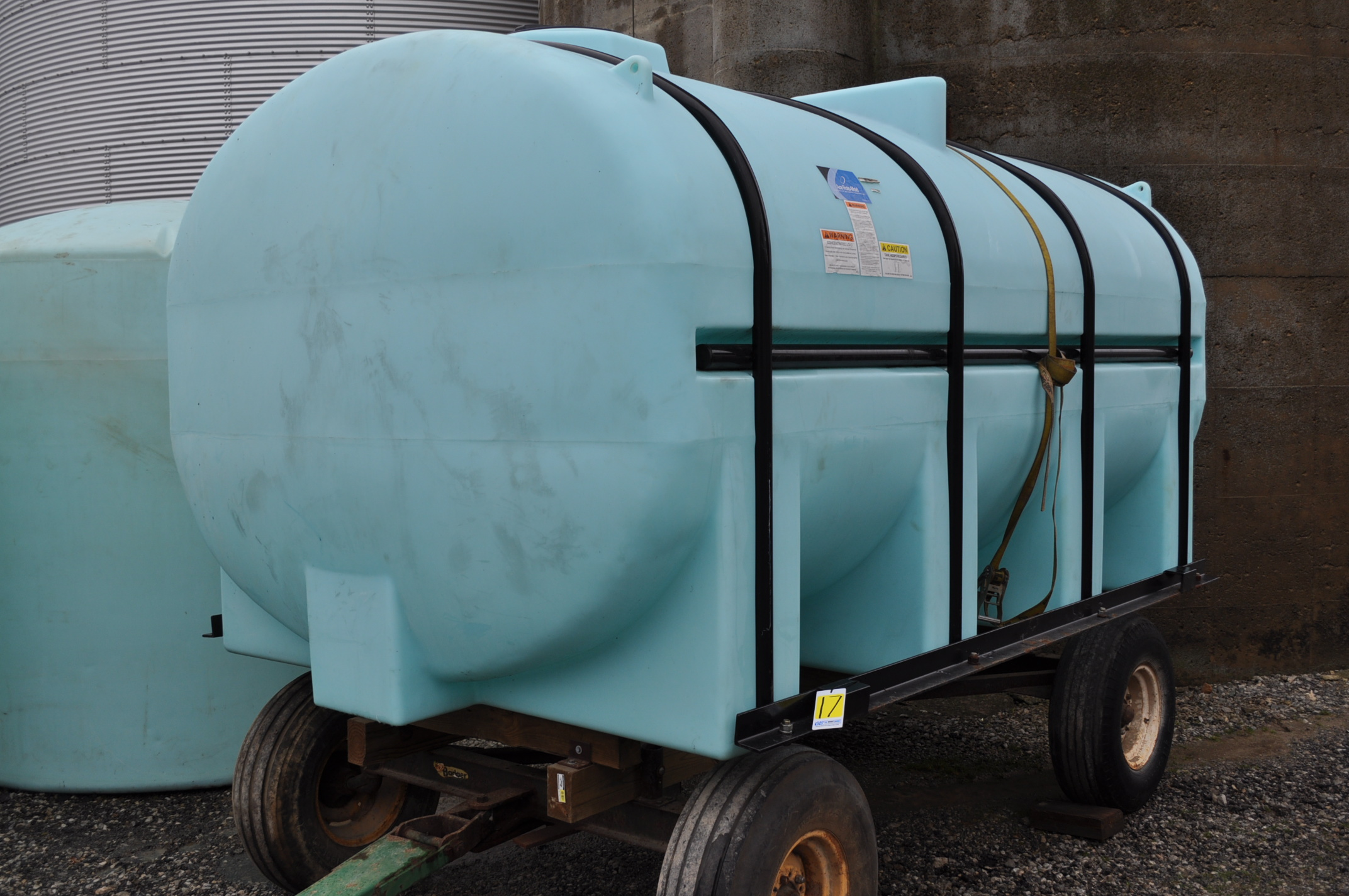 3250 gal poly Ace Roto-Mold leg tank with hoops, wagon gear does not sell
