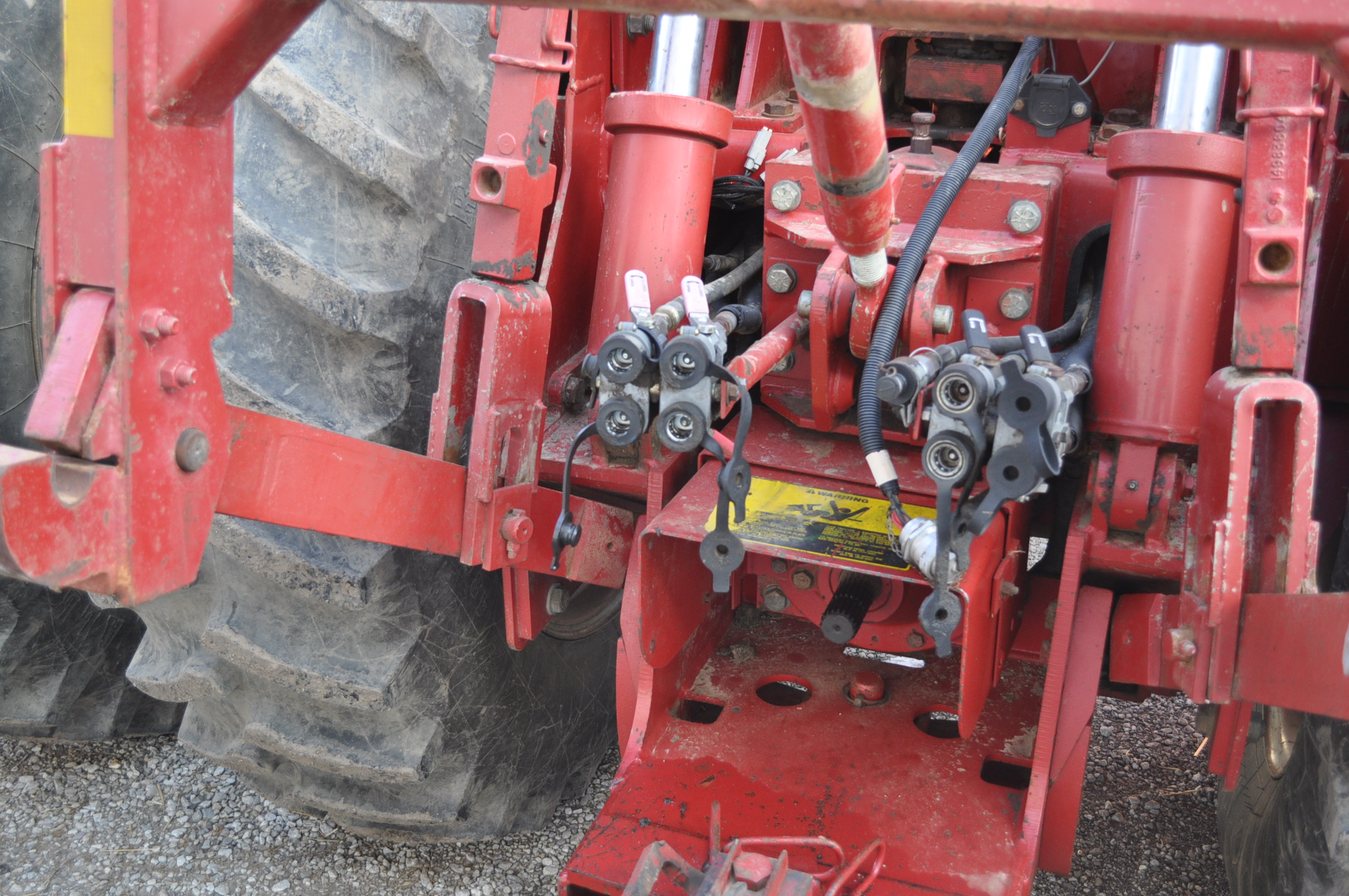 Case IH 9230 4WD tractor, 18.4-38 duals, power shift, skip shift, 4 hyd remotes, 3pt, quick hitch, - Image 14 of 23