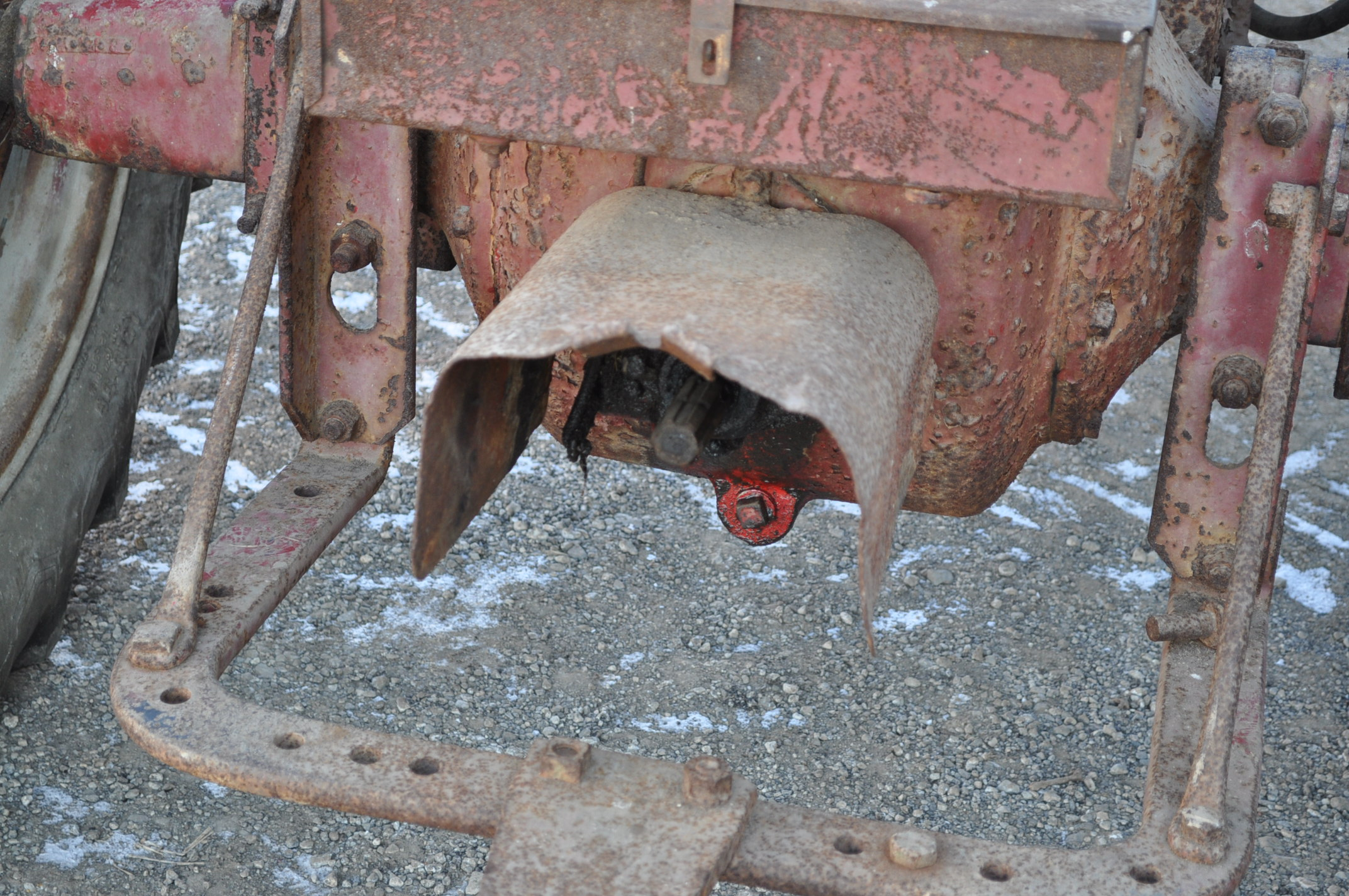 Farmall M tractor, 13.6-38 rear, narrow front, gasoline, loader, 540 PTO, SN FBK276 - Image 8 of 11