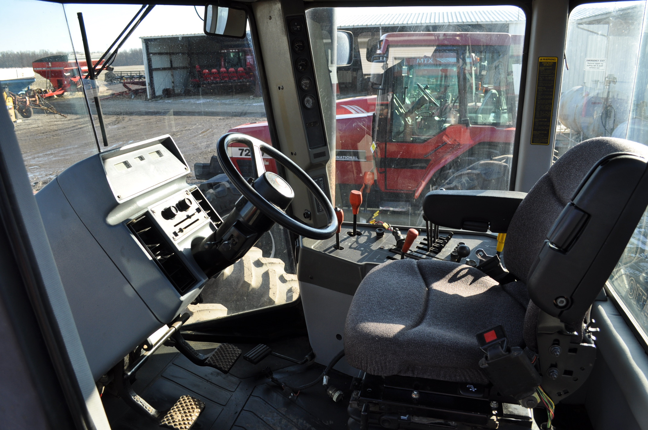 Case IH 9230 4WD tractor, 18.4-38 duals, power shift, skip shift, 4 hyd remotes, 3pt, quick hitch, - Image 17 of 23