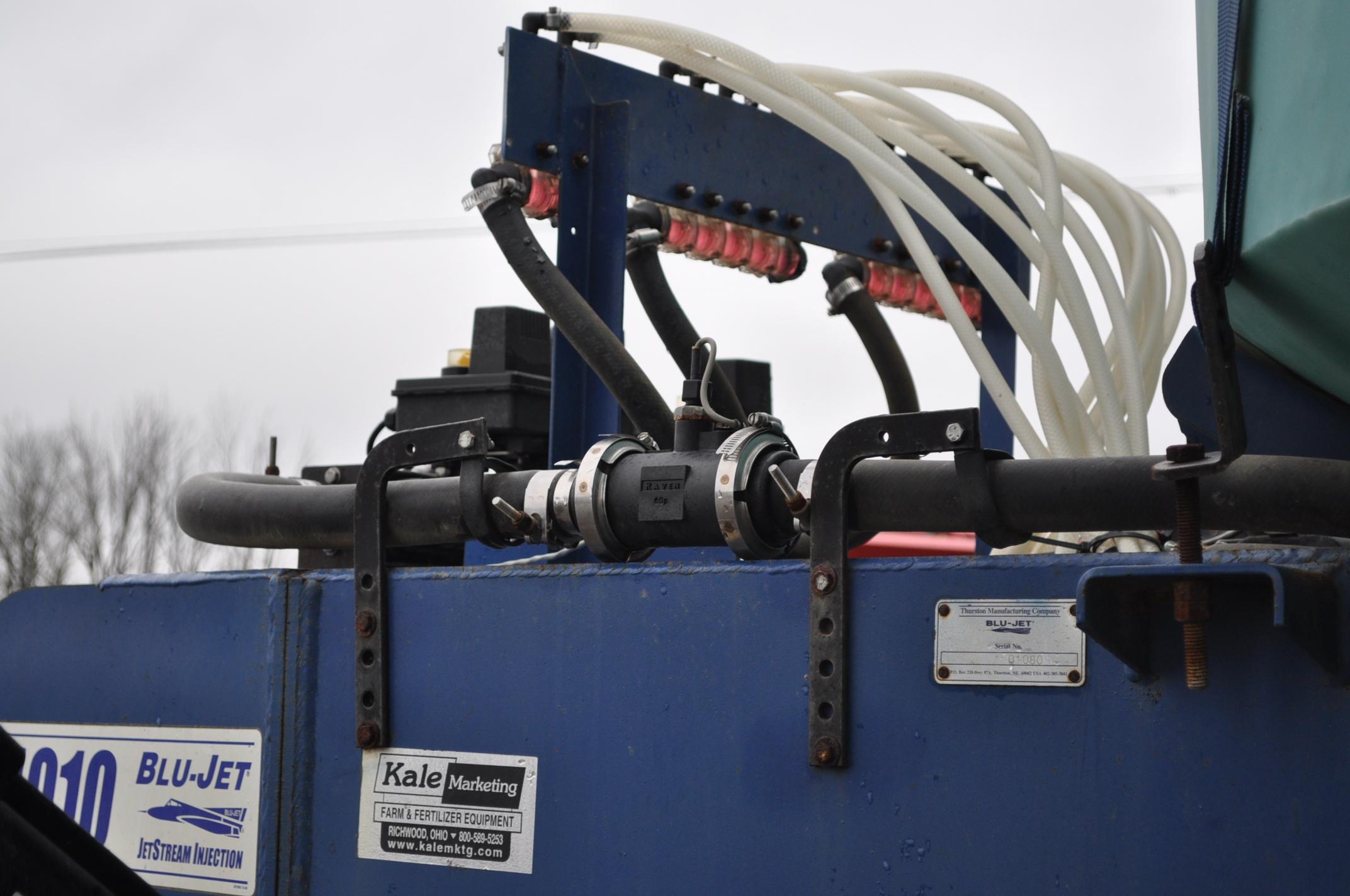 Blu-Jet AT 4010 28% applicator, 12/16 row, 1200 gal poly tank, 320/90R46 tires, hyd drive pump, - Image 8 of 12