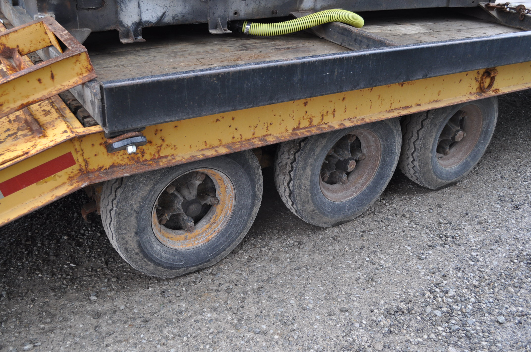 16'+5' homemade equipment trailer, 8' wide, tri axle, ramps, electric brakes, 8-14.5 tires, pintle - Image 6 of 6