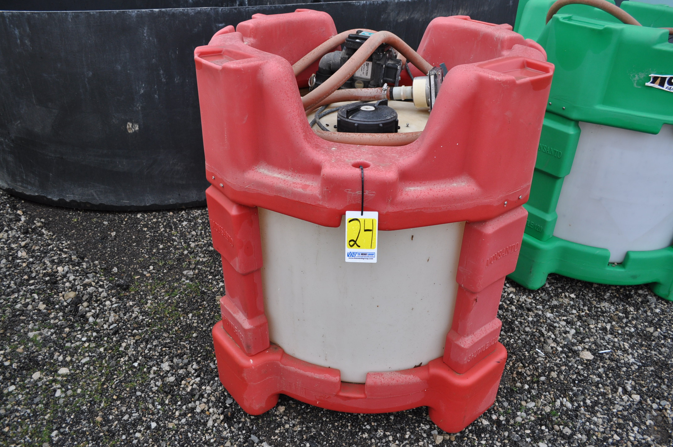 poly chemical shuttle with 12 volt pump, meter and hose