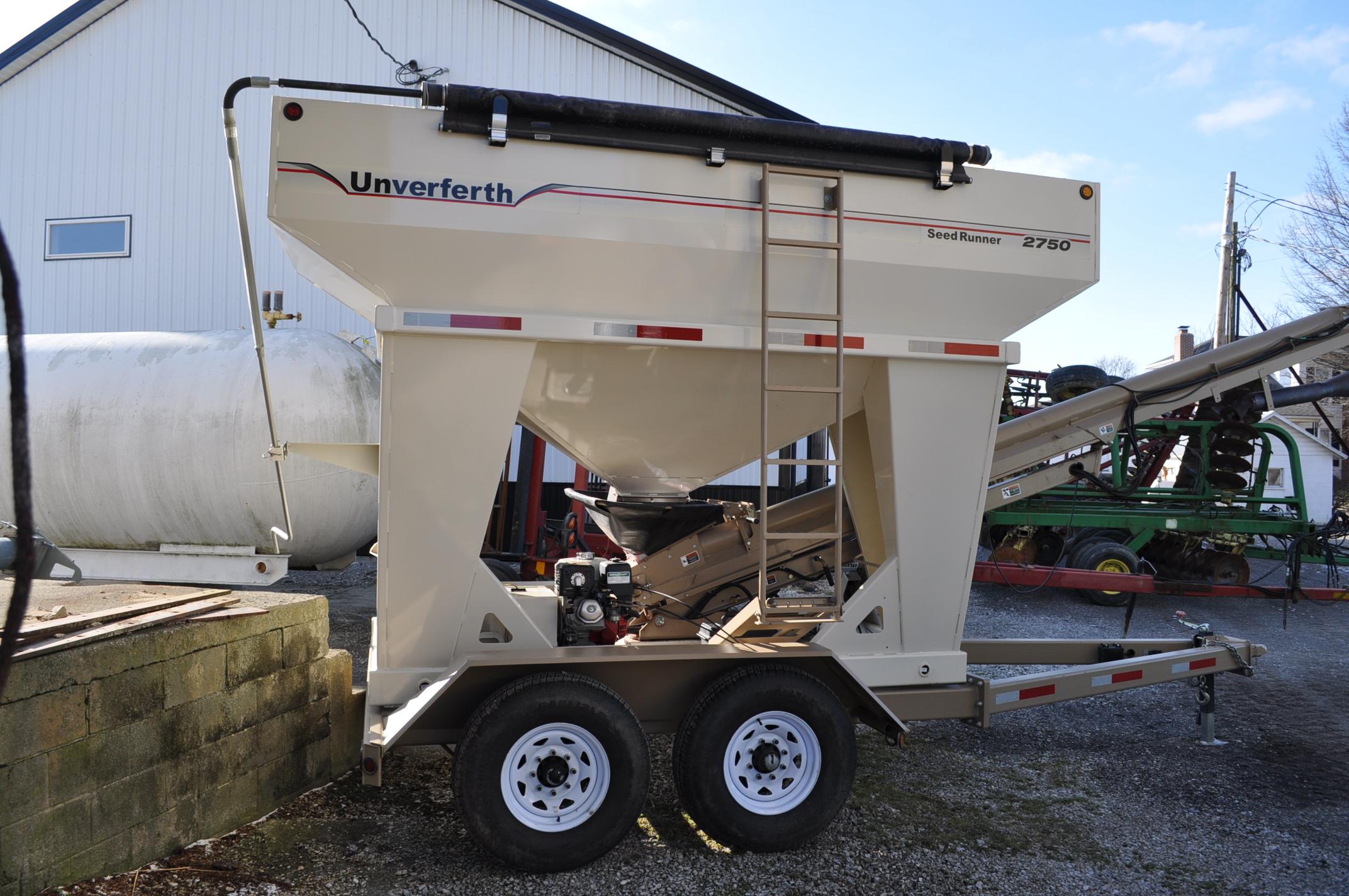 """Unverferth 2750 Seedrunner seed tender, tandem axle, scales, 6"""" conveyor, manual doors, roll tarp, - Image 3 of 10"""