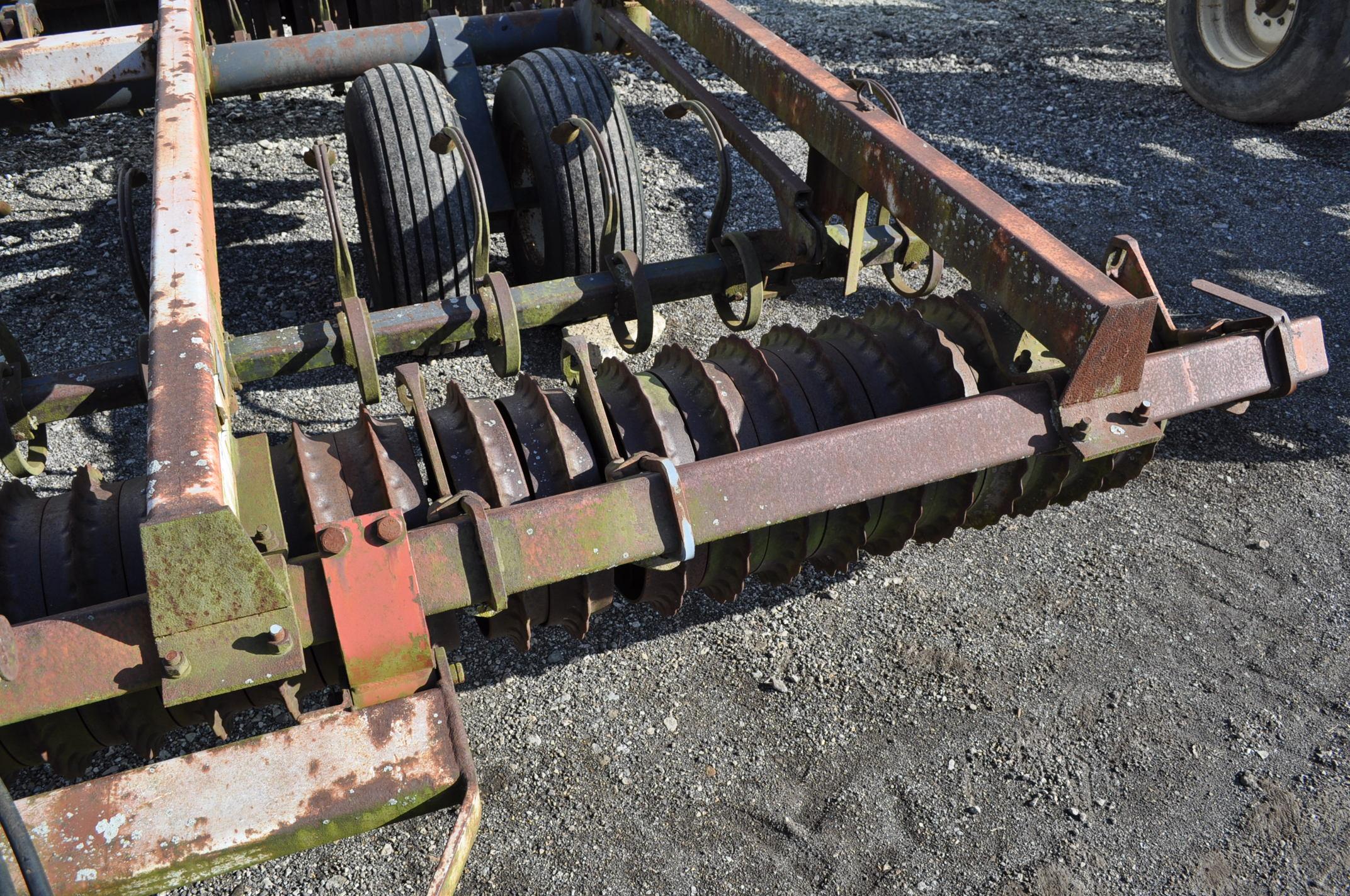 13' International 415 cultimulcher, rear hitch - Image 5 of 10
