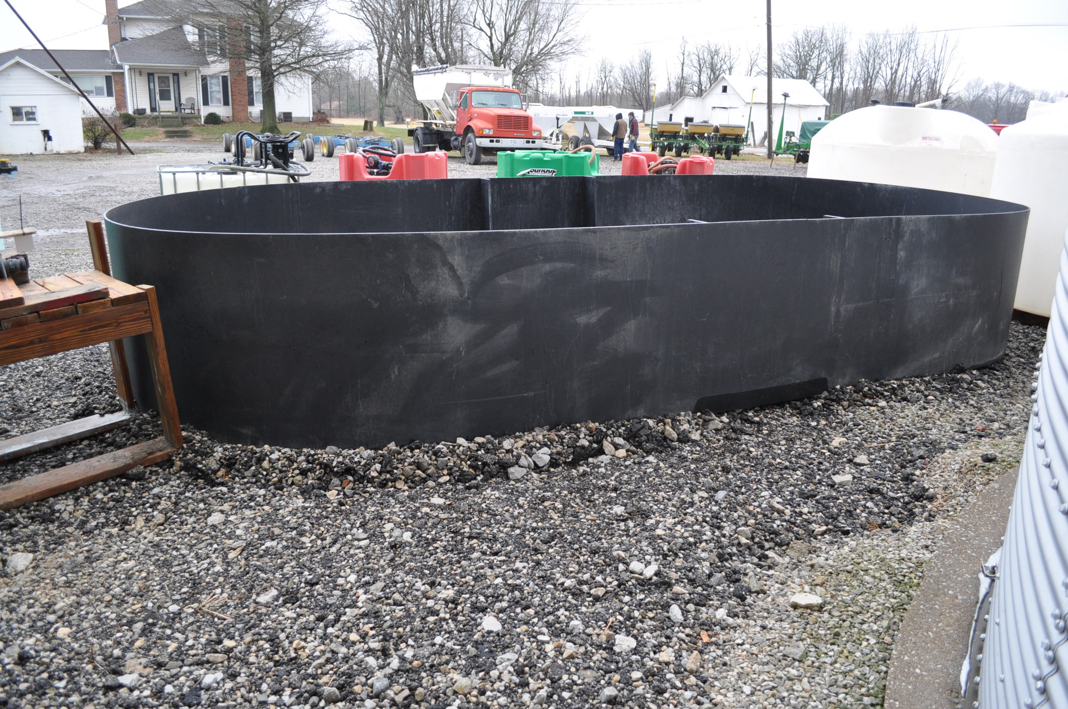 """GVM poly dike, 10 ½' wide, 22' long, 41"""" high - Image 3 of 4"""