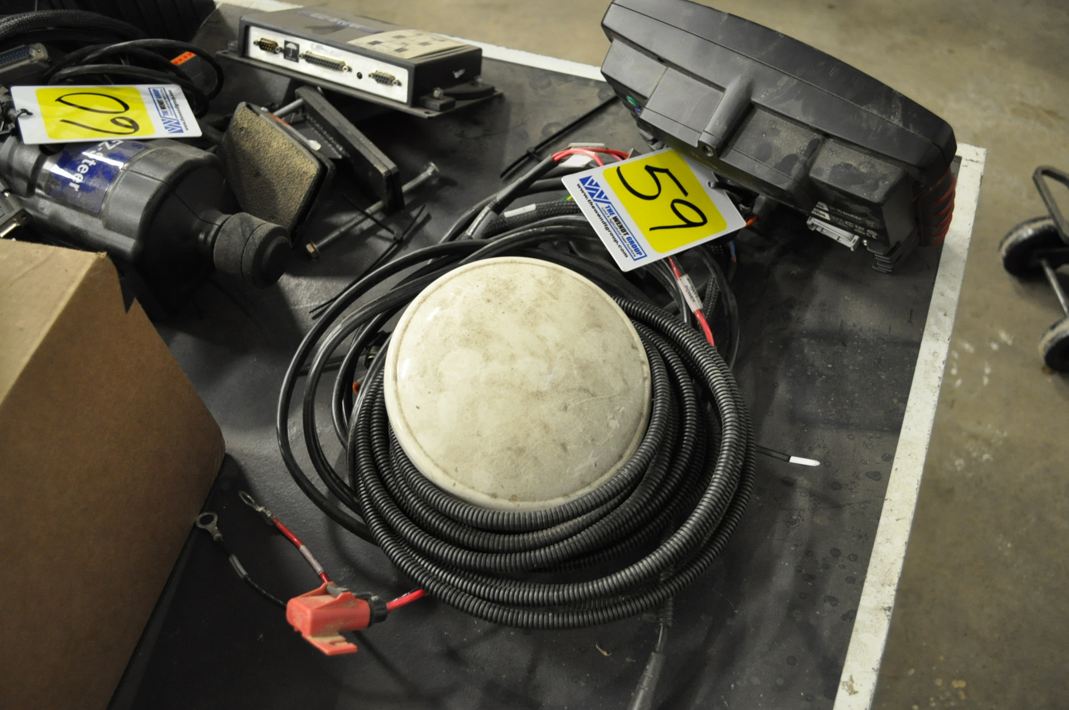 Case IH FM-750 GPS receiver, AG-25 antenna, RangePoint RTX, SN 5839571782 - Image 3 of 6