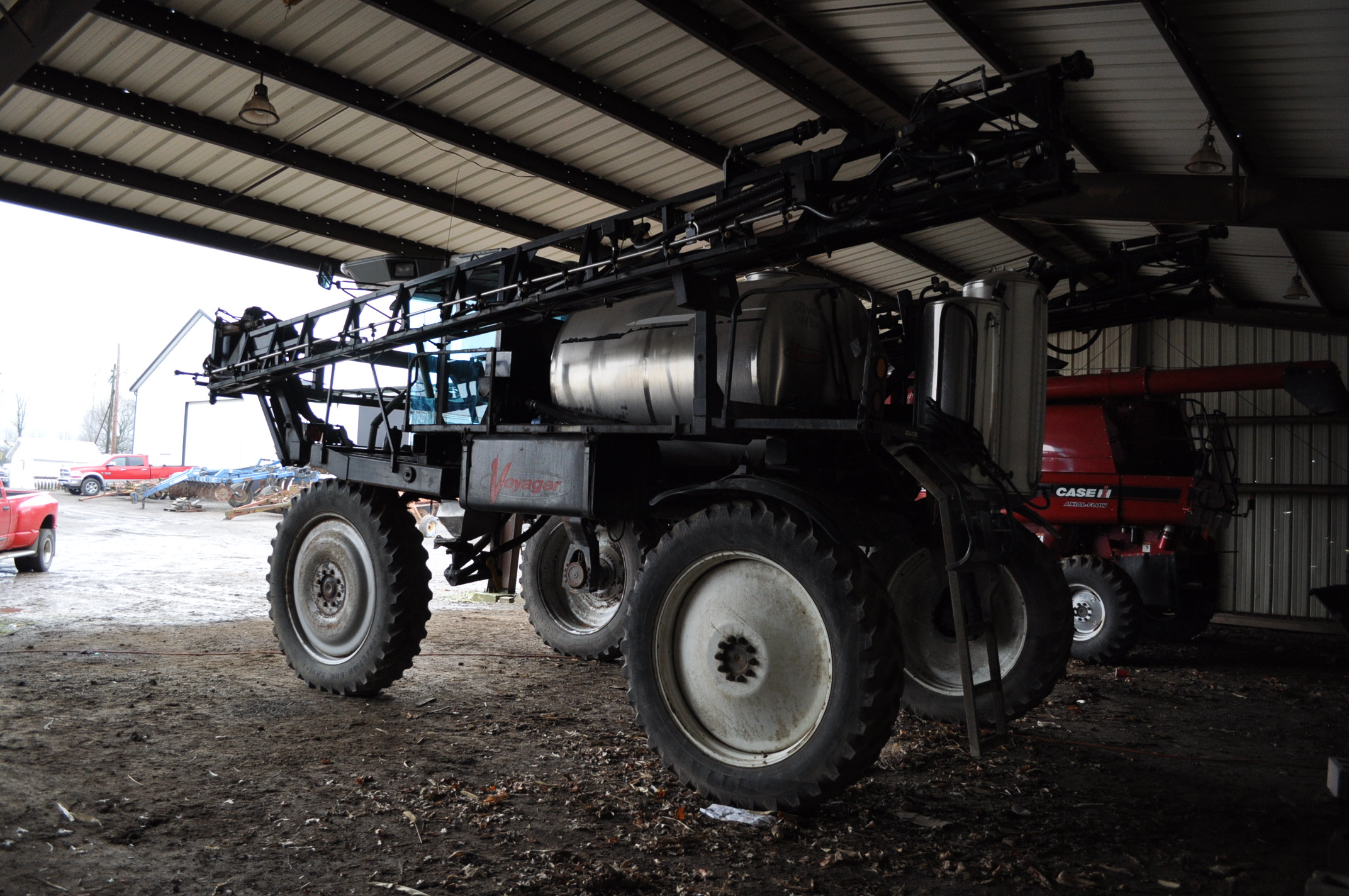 """Silver Wheels Voyager 2000 sprayer, 14.9R46 tires, hydrostatic, 90' boom, 15"""" nozzle spacing, 1000 - Image 4 of 21"""