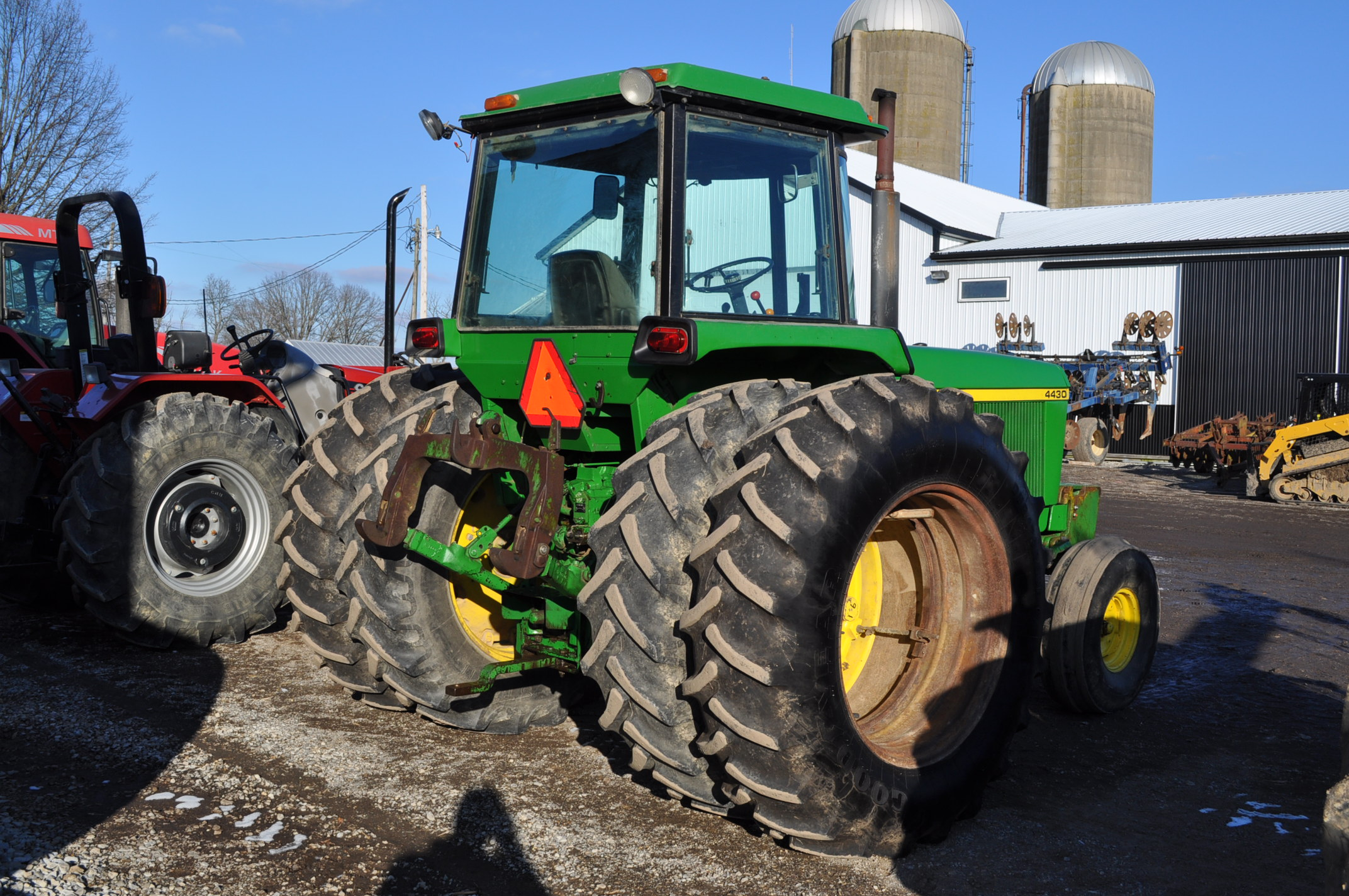 John Deere 4430 tractor, C/H/A, 18.4-38 duals, 11.00-16 front, front weights, Quad range, 2 hyd, 3 - Image 4 of 18