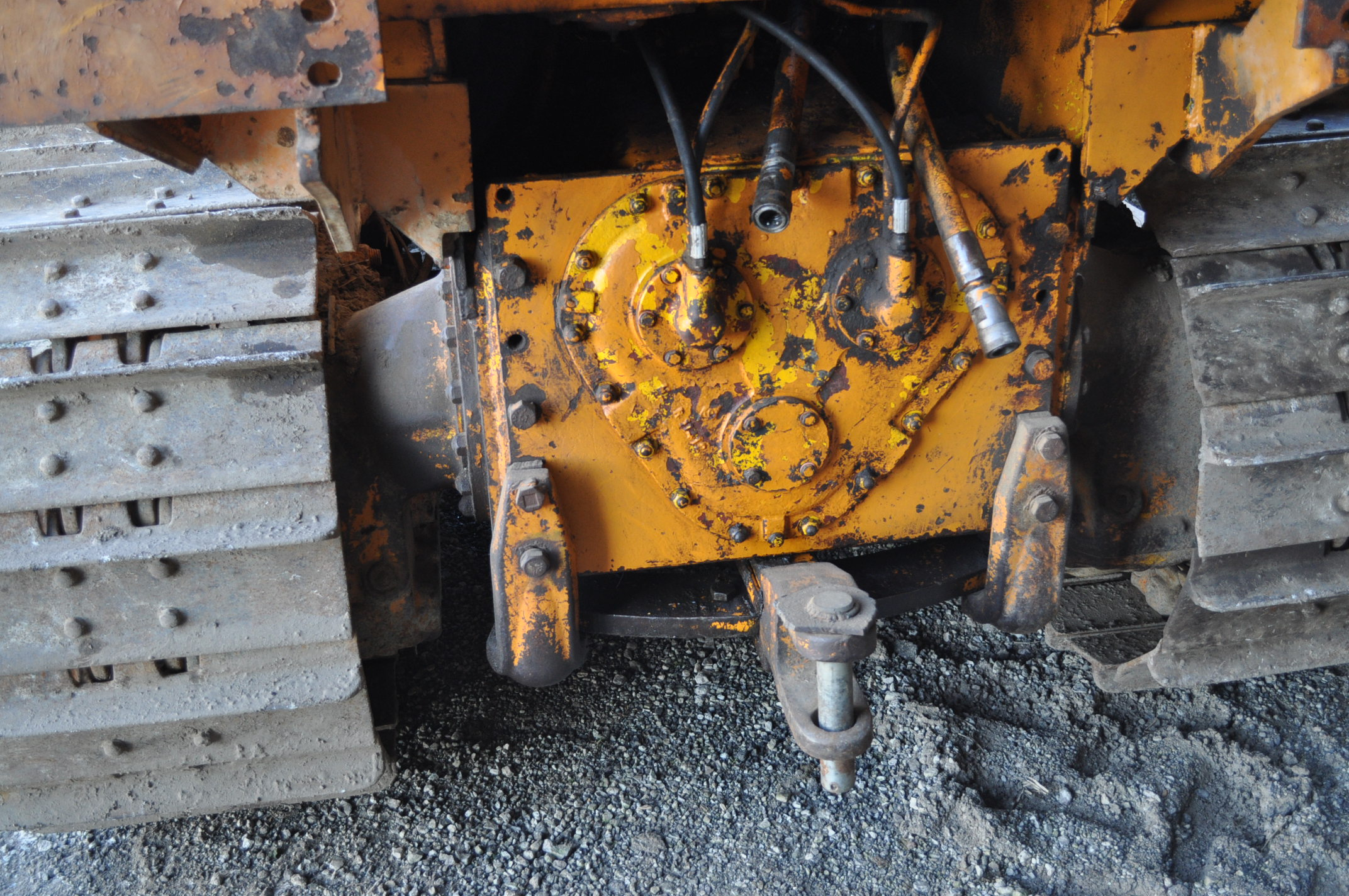 Case 1150 dozer, 8' 4 way blade, rear hitch, diesel, shows 1250 hrs, hrs unkown, SN missing - Image 10 of 11