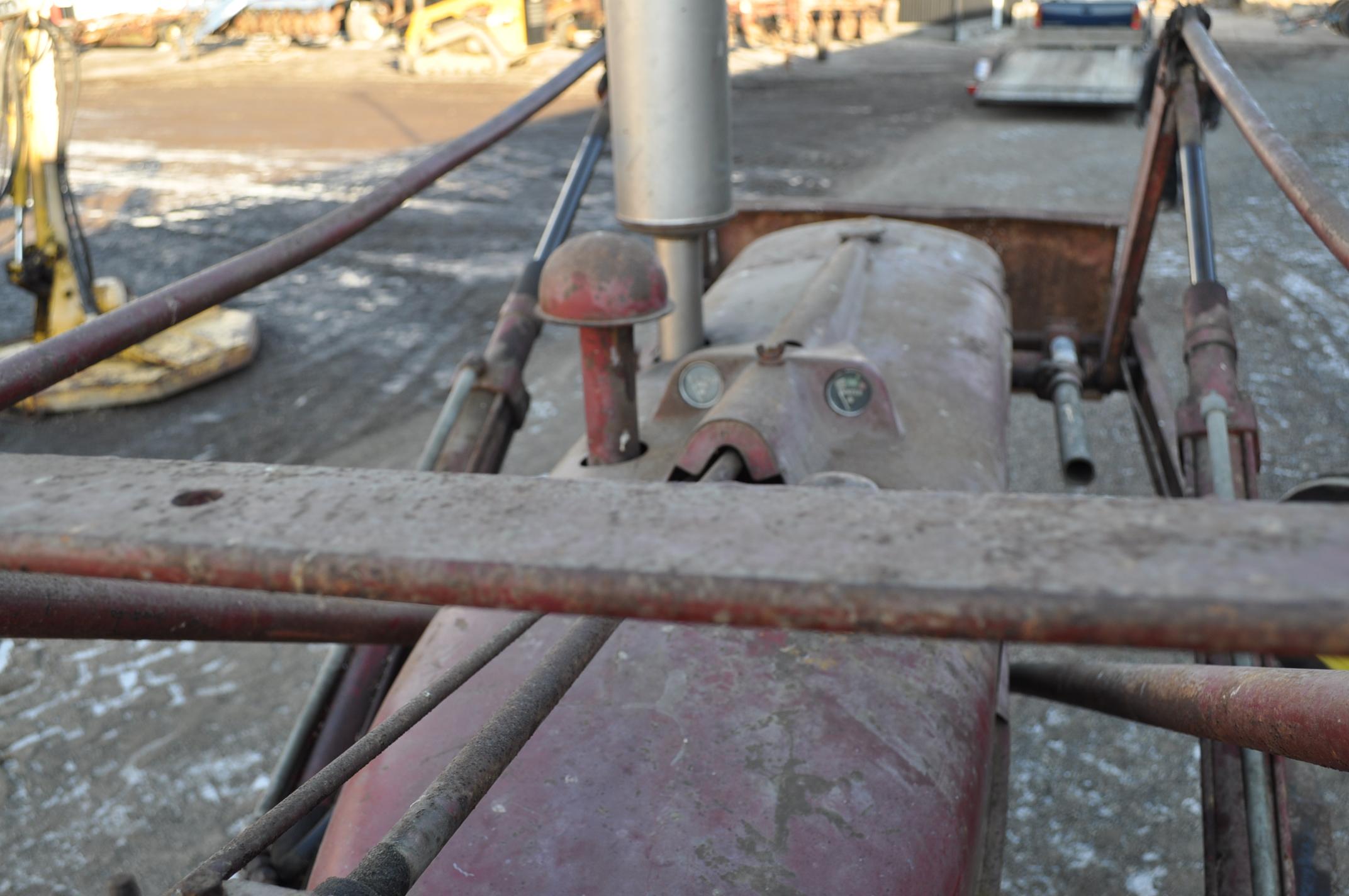 Farmall M tractor, 13.6-38 rear, narrow front, gasoline, loader, 540 PTO, SN FBK276 - Image 11 of 11
