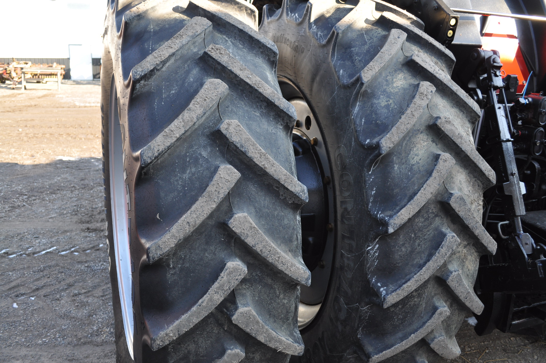 Case IH 7240 MFWD tractor, 460/85R46 rear duals, 420/85R30 front, 18 spd powershift, 4 reverse, - Image 8 of 20